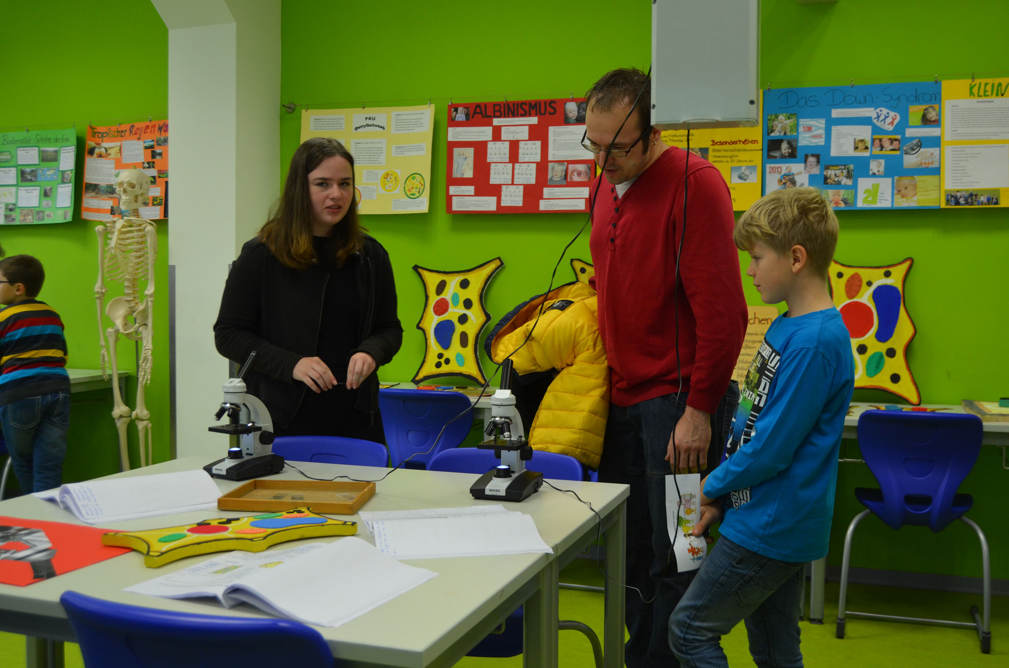 Viele Gäste nutzten die Möglichkeit zum Kennenlernen der Unterrichtsinhalte.