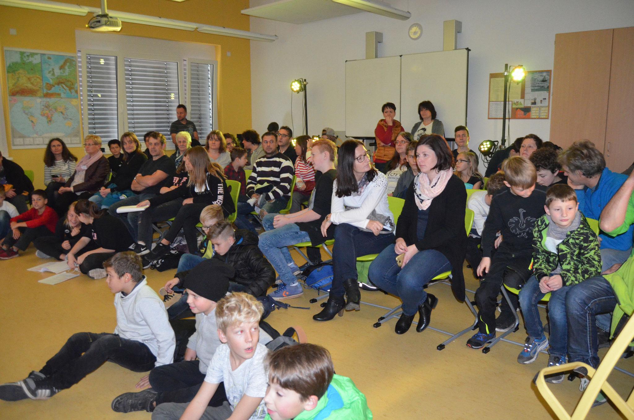 Stets gut gefüllt war der Zuschauerraum bei den Shakespeare-Interpretationen der Klasse 7 und 10.