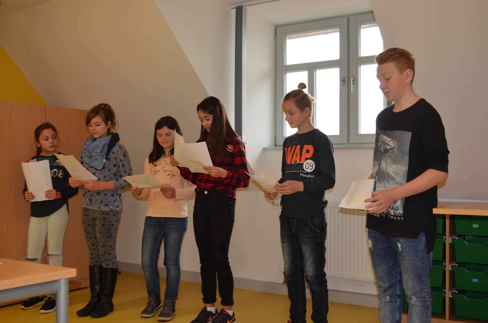 Nicht nur mit Rezitationen wurde der Deutschunterricht passend präsentiert.