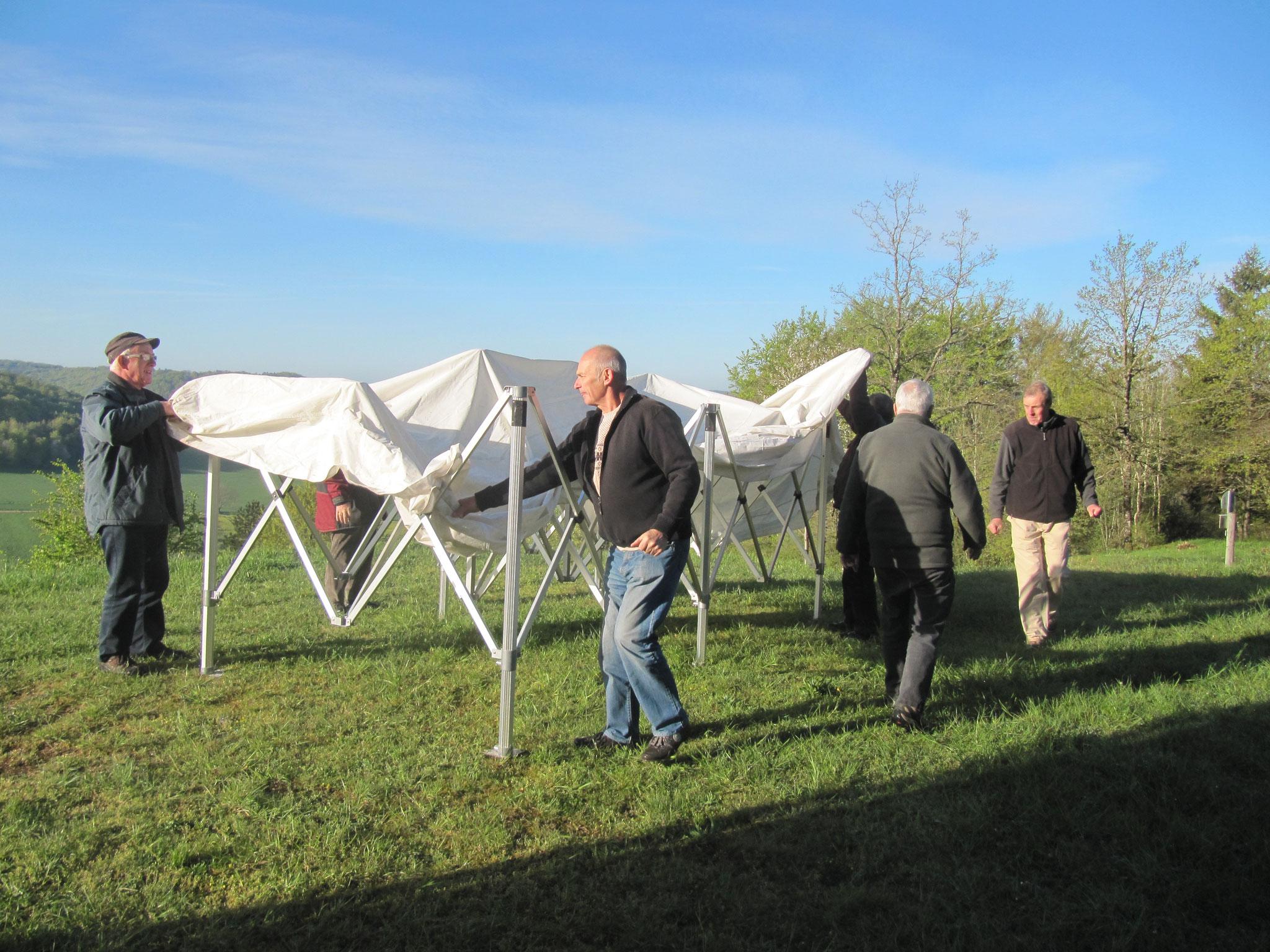 Installation des stands mis à disposition par le Comité des Fêtes de Vaucouleurs