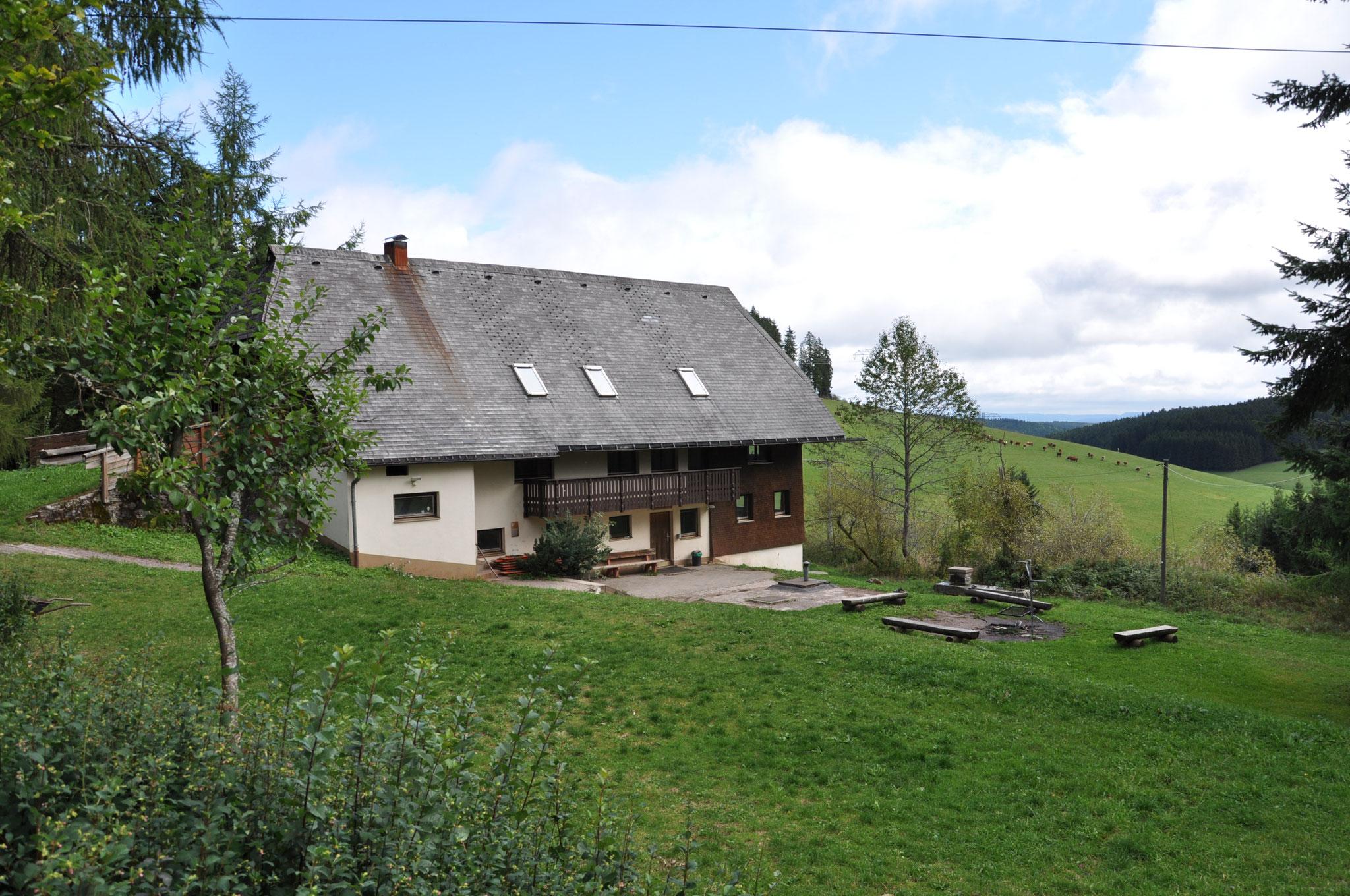 Kasperhaus mit Grillplatz