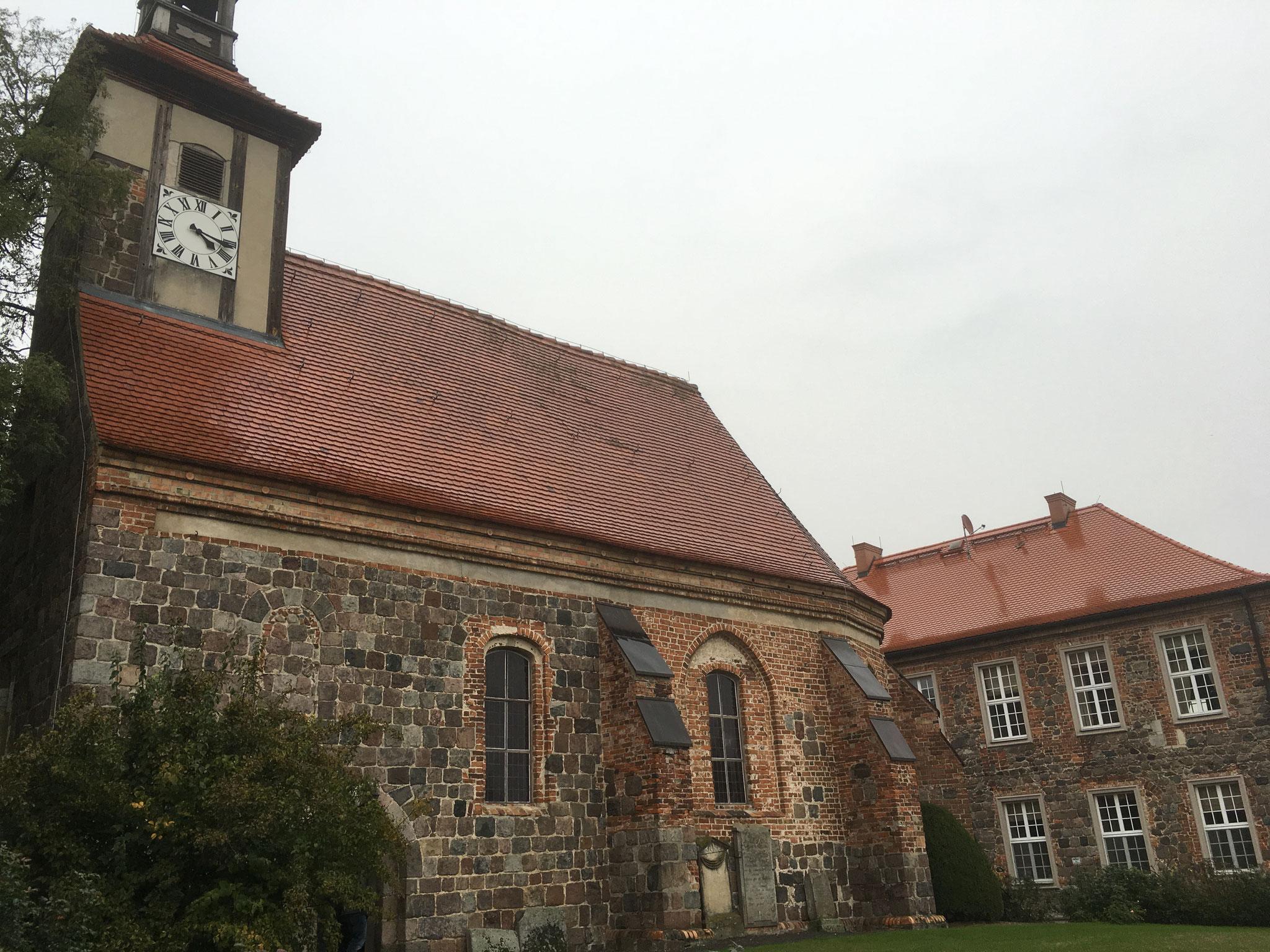 Kirche und Herrenhaus