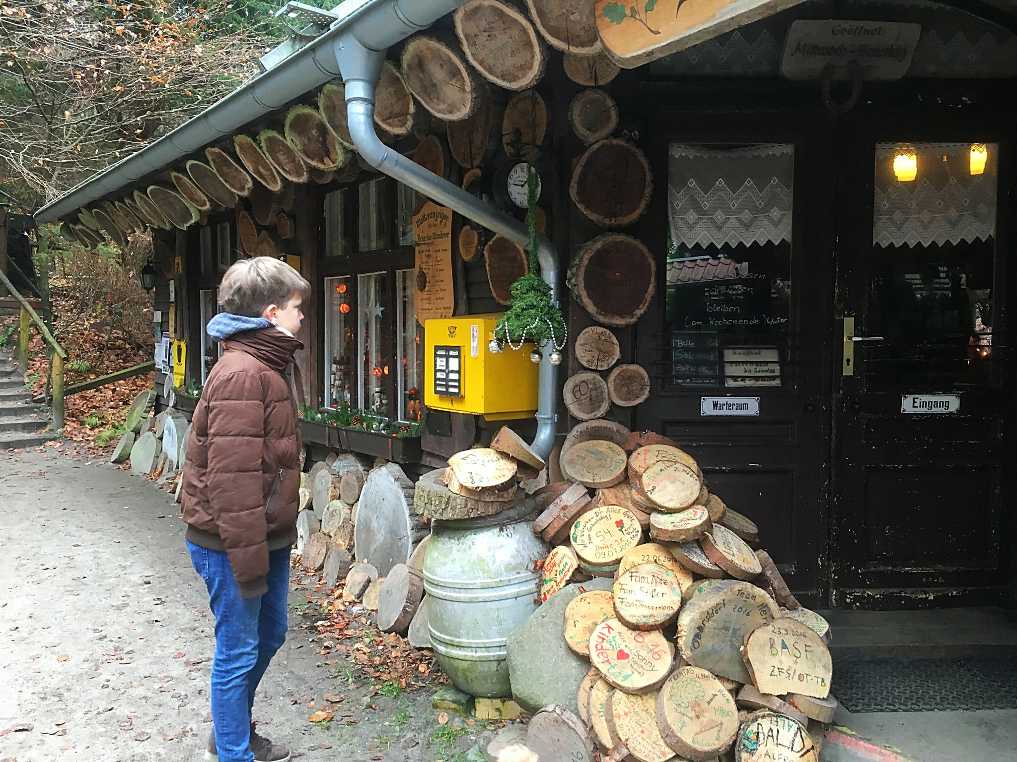 Vor der Waldschenke