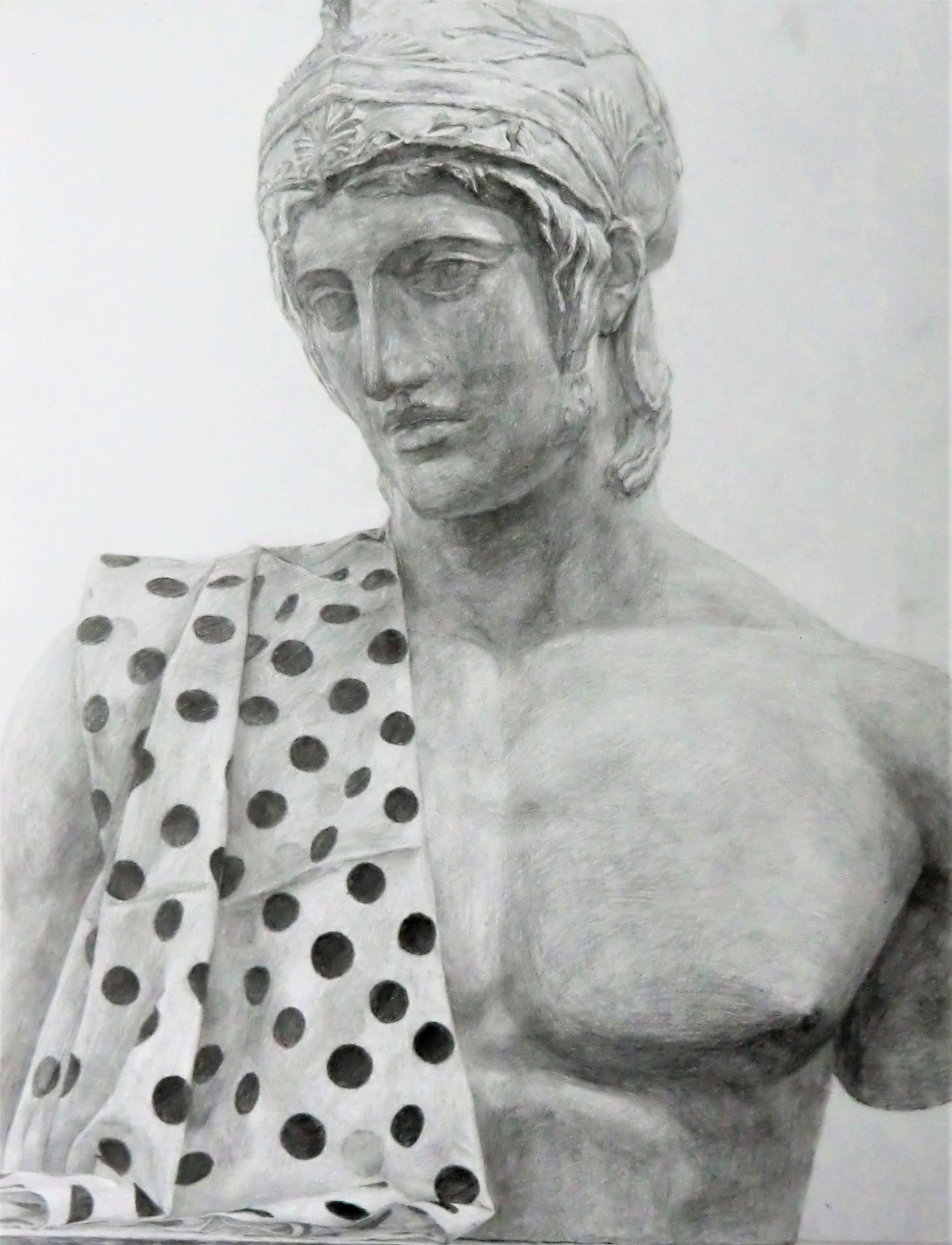 生徒作品15 鉛筆デッサン<ボルゲーゼのマルス像と水玉の布> 630×480mm 白象紙 【日本画系】