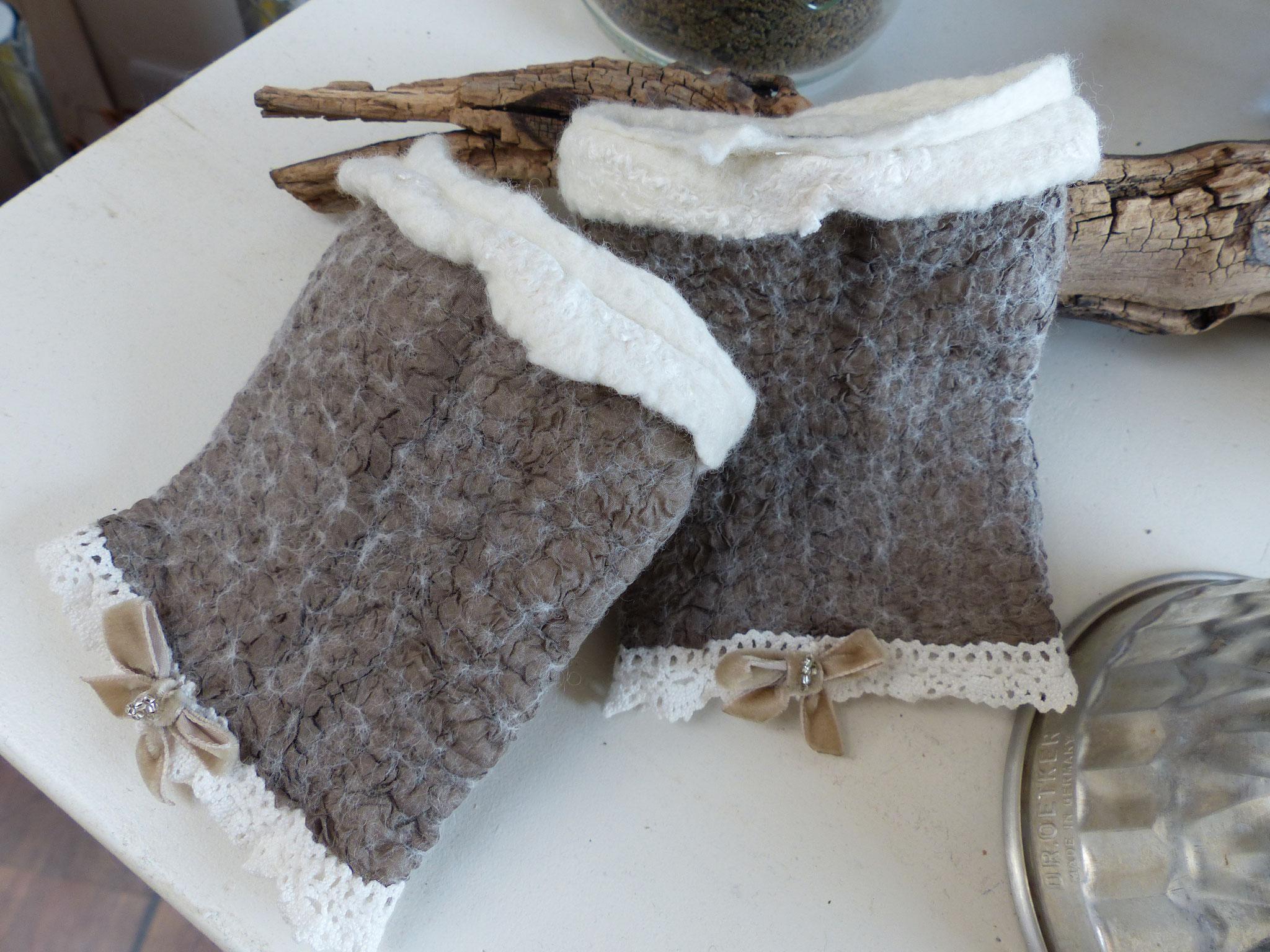 Stulpen aus Seide und Merinowolle