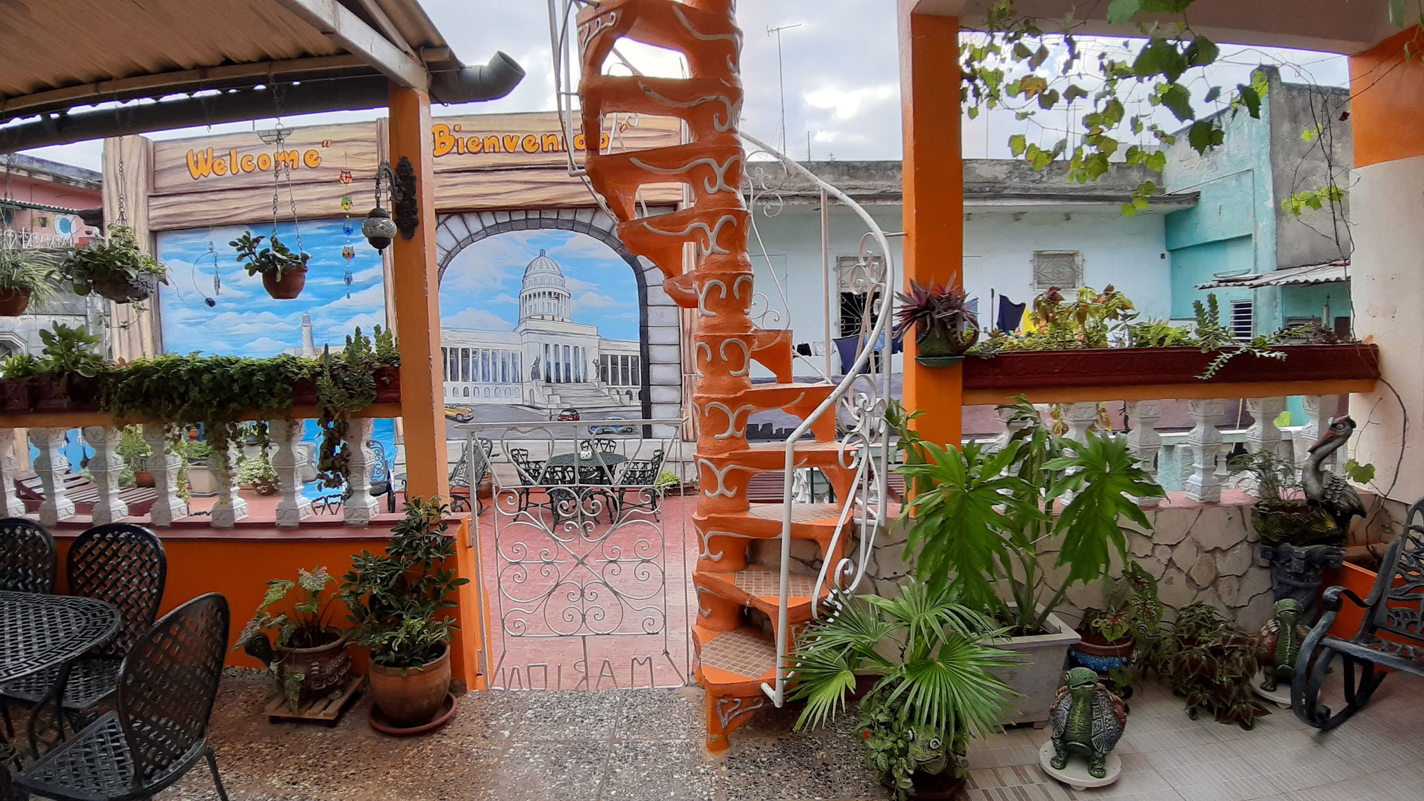Terrace of Casa Sol y Salsa with view to terrace of Casa Sol y Sombra