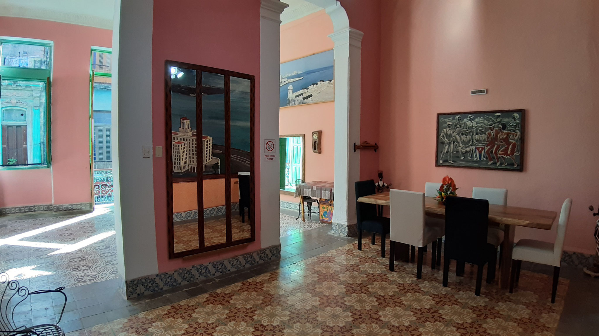 Living room of Casa Soly y Salsa and dance room of dance school Salsa con Clase