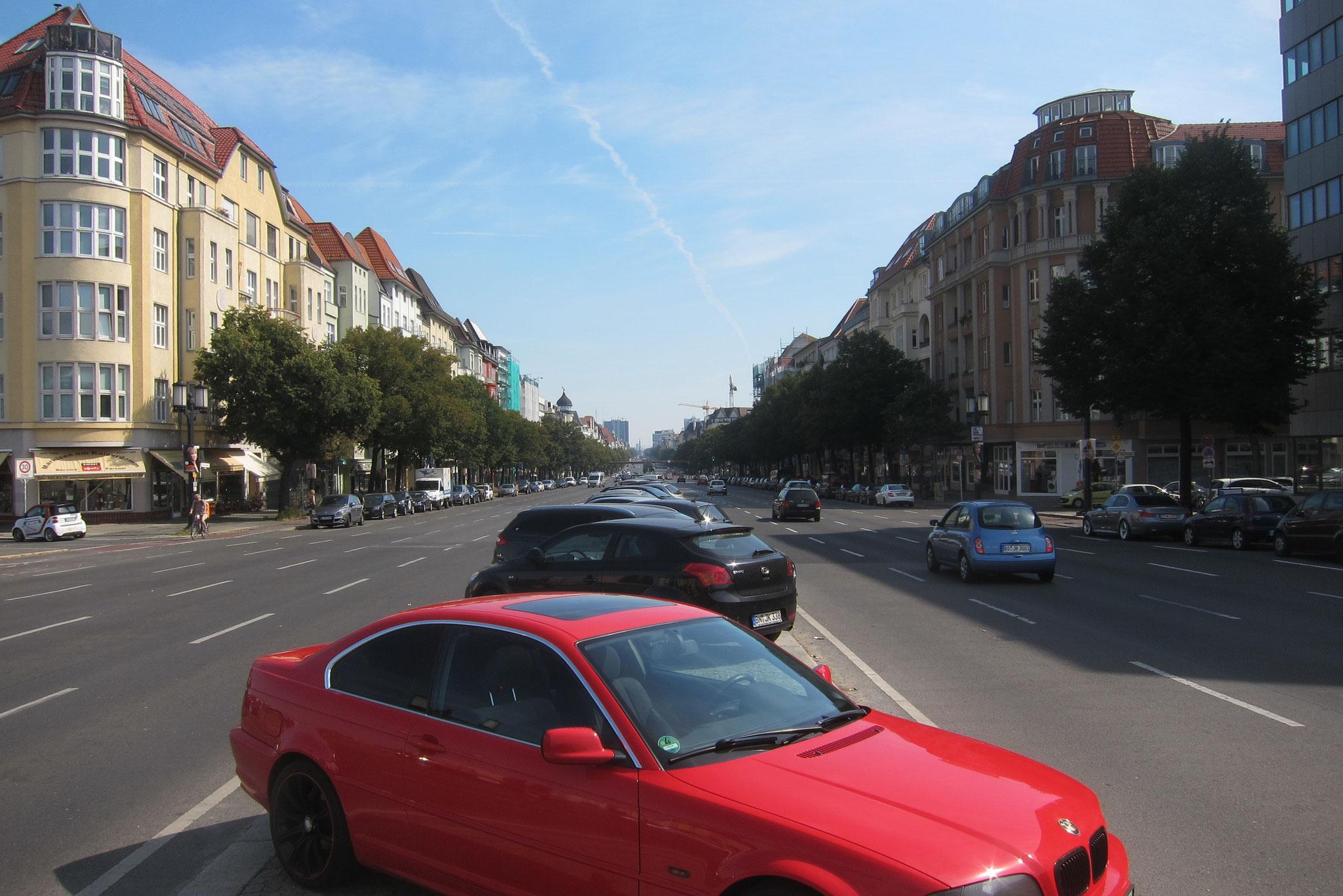 Der Kaiserdamm ist eine der wichtigsten Verkehrsachsen in Berlin.