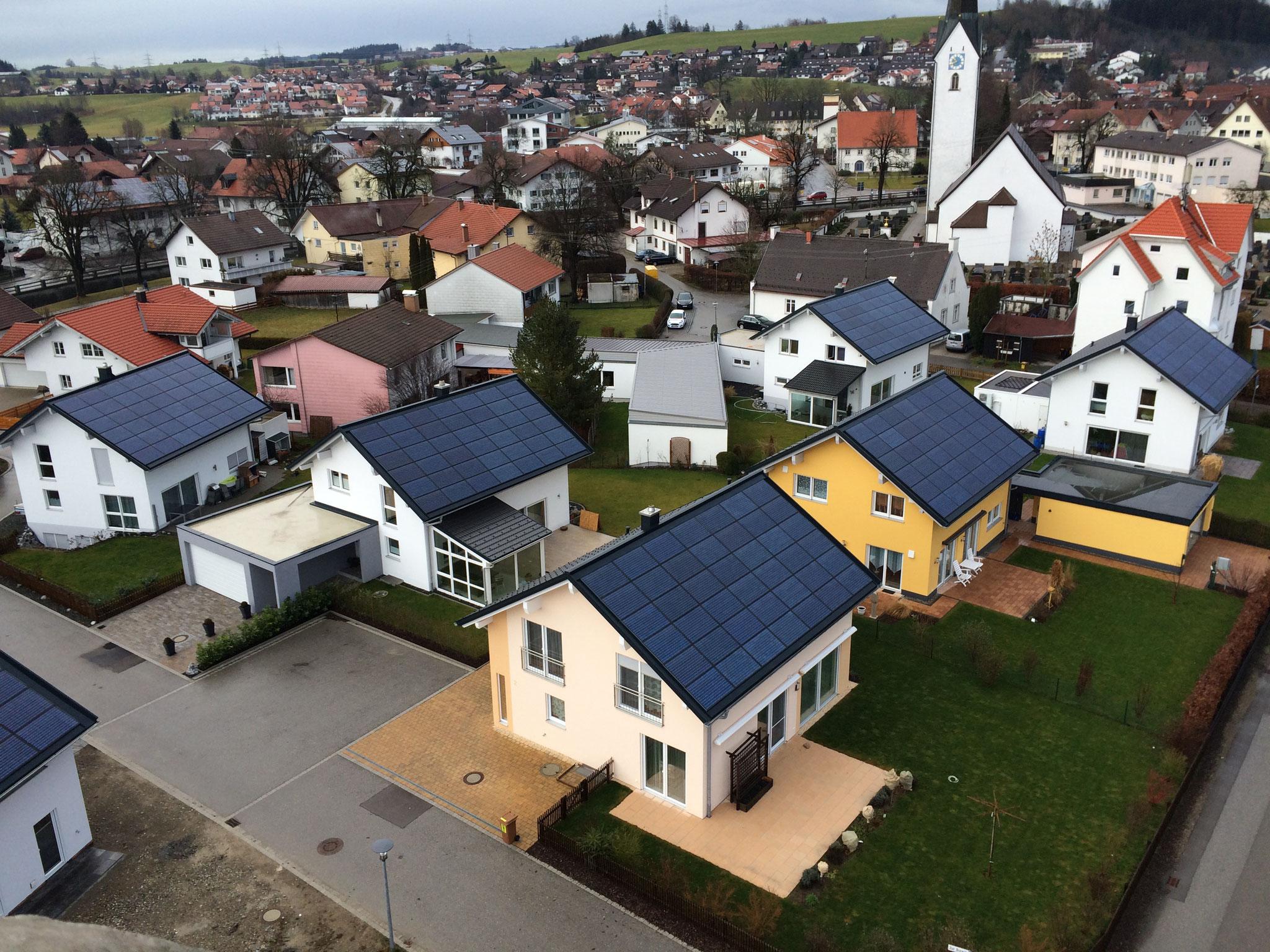 BV: Baugebiet Durach Häuser mit Indach-Photovoltaik