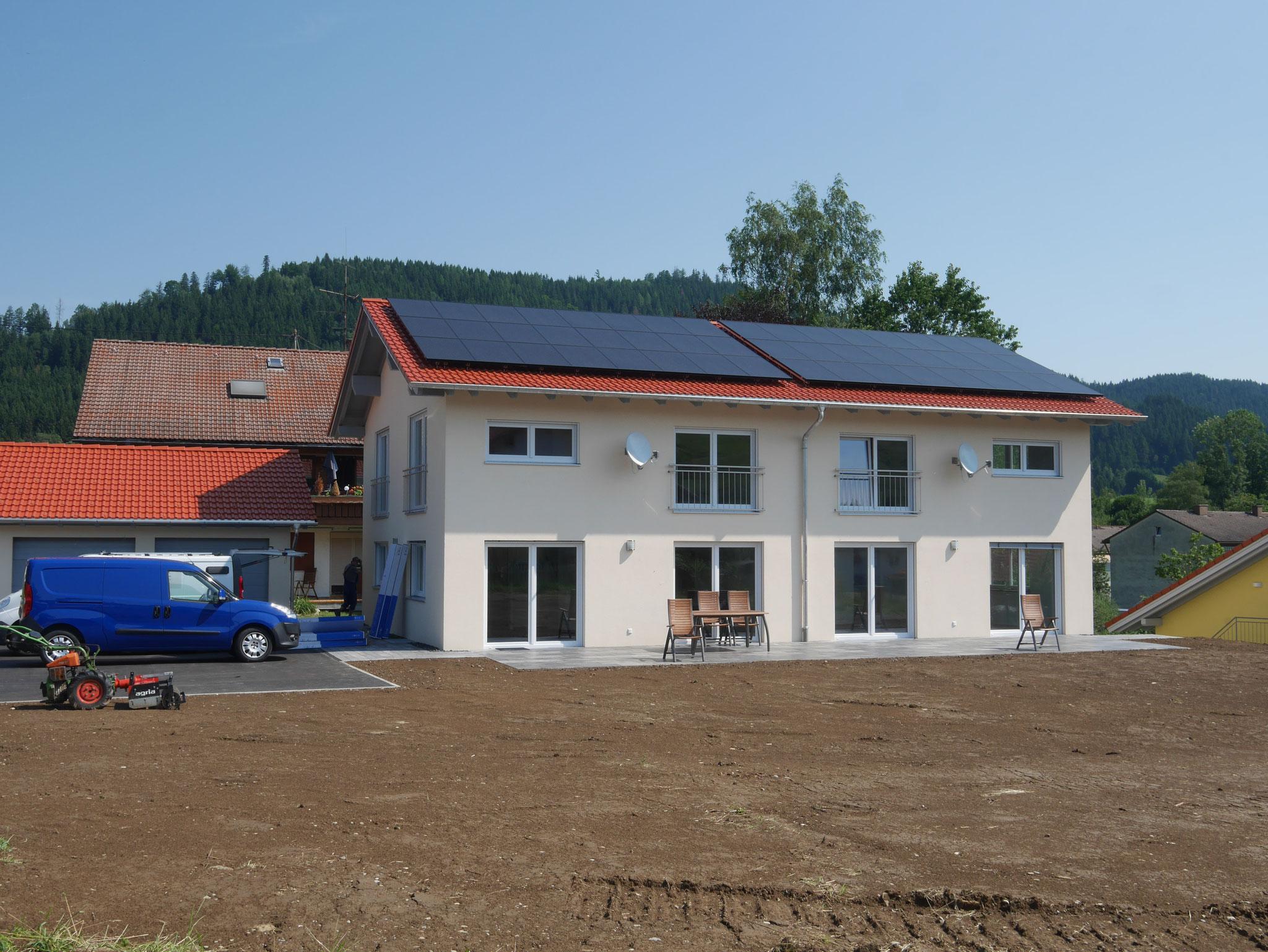 BV: Seltmans Schlüsselfertige Baubetreuung einer DHH mit Garage