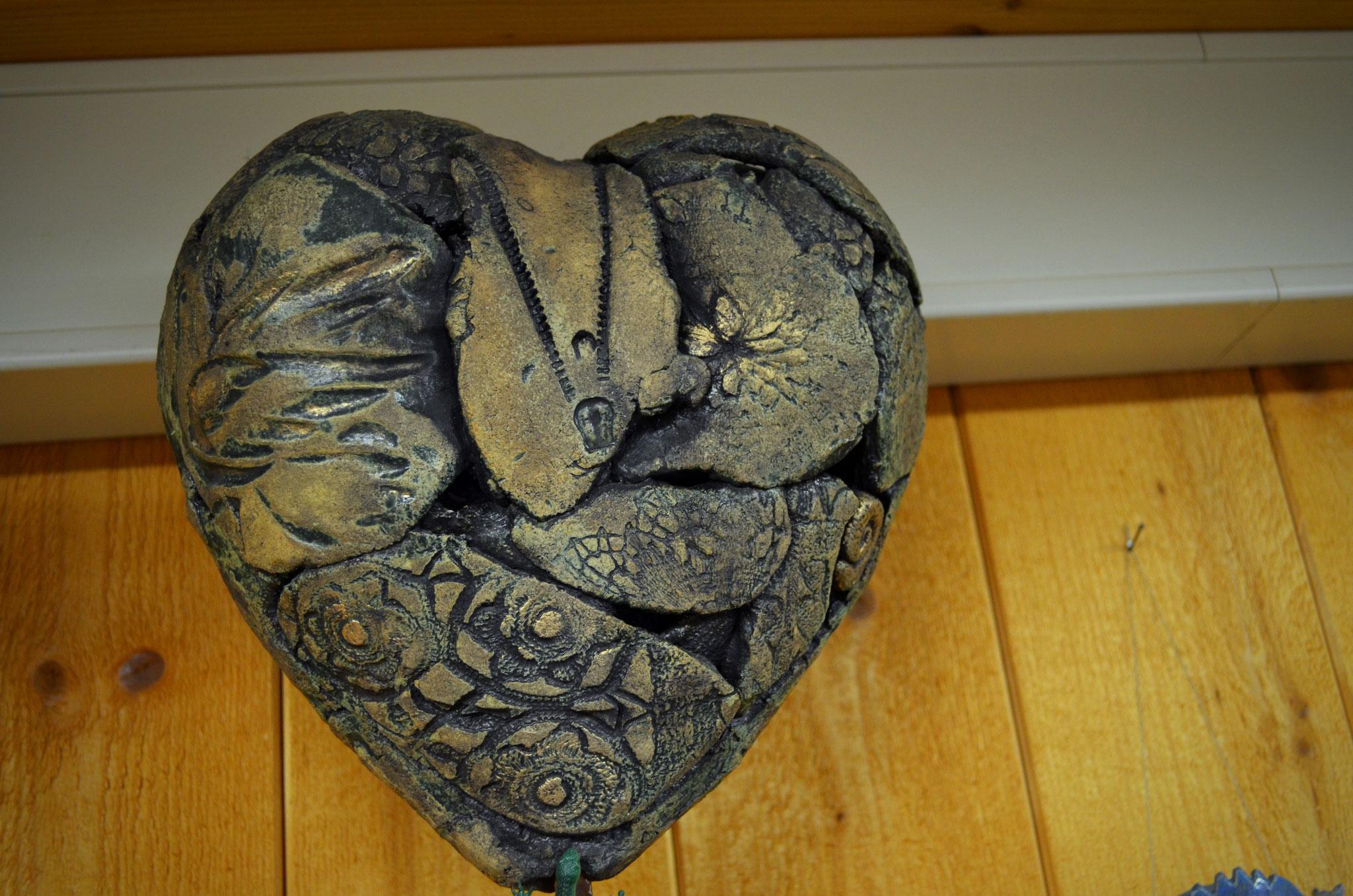 raffinierte Herzen / schräge Vögel aus Ton