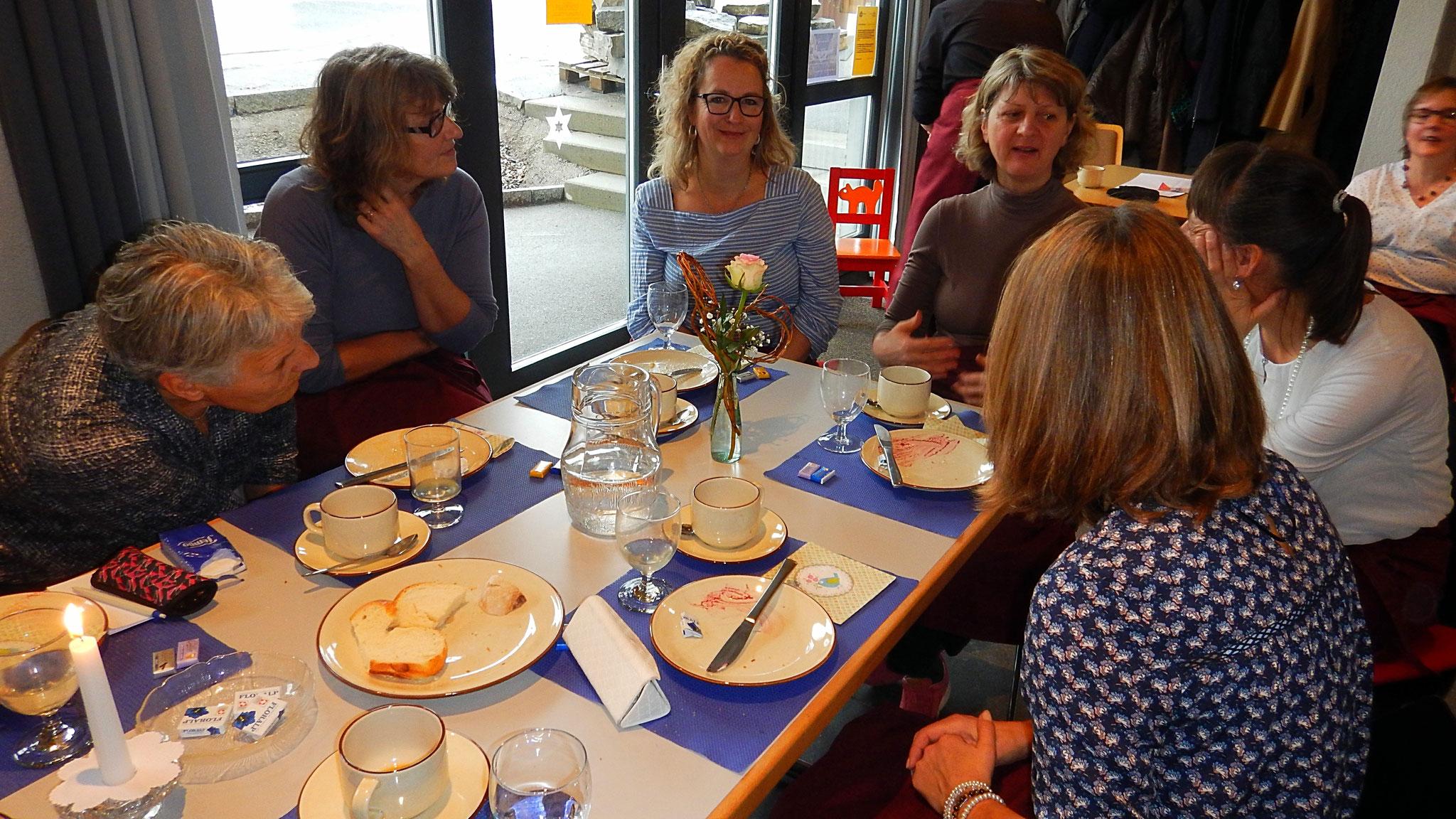 Frauenzmorge: auch die Helfer haben sich eine Pause verdient