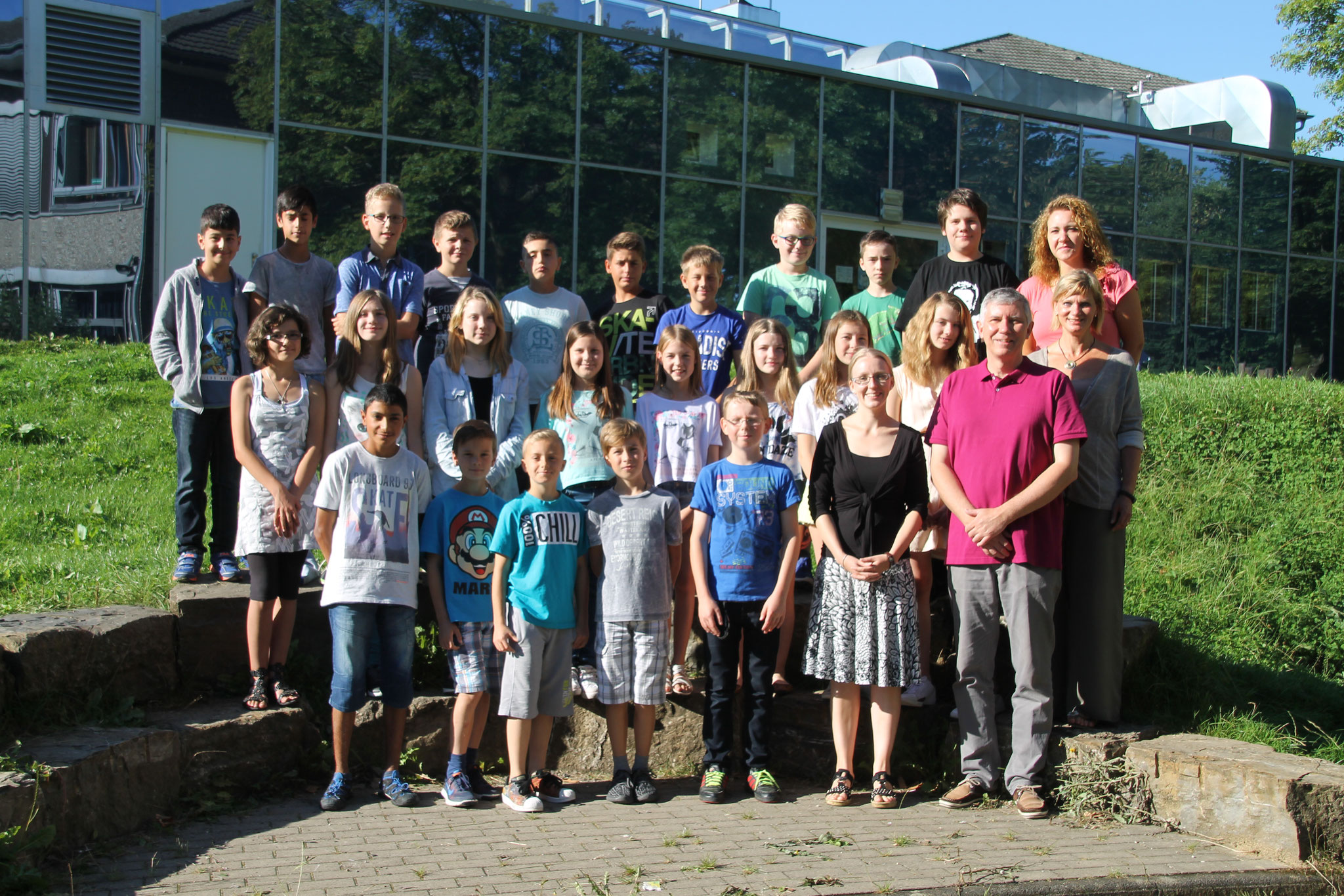 Klasse 6a: Klassenlehrer Frau Zschutschke und Herr Schaaf