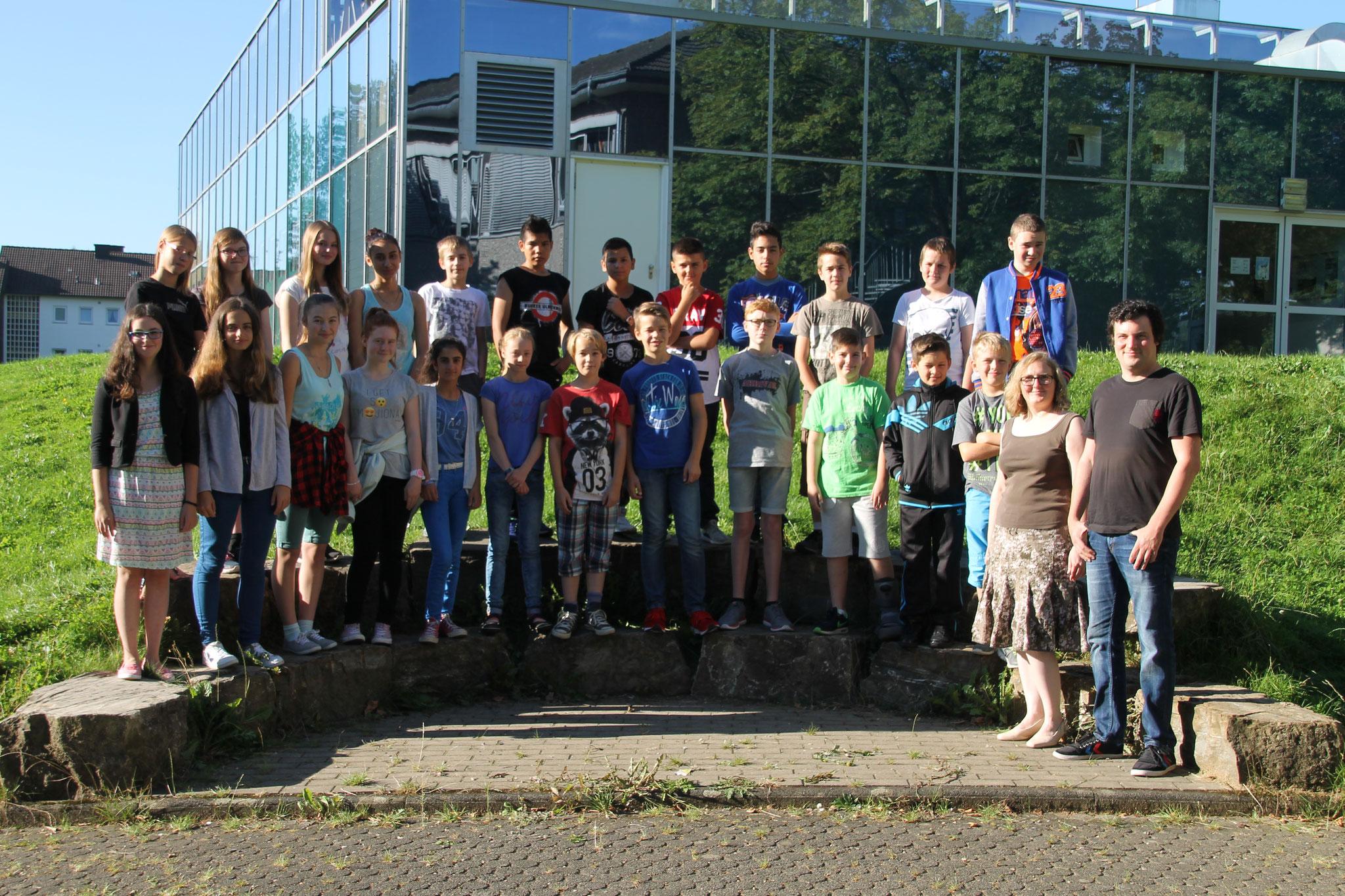 Klasse 7c: Klassenlehrer Frau Drach und Herr Weber