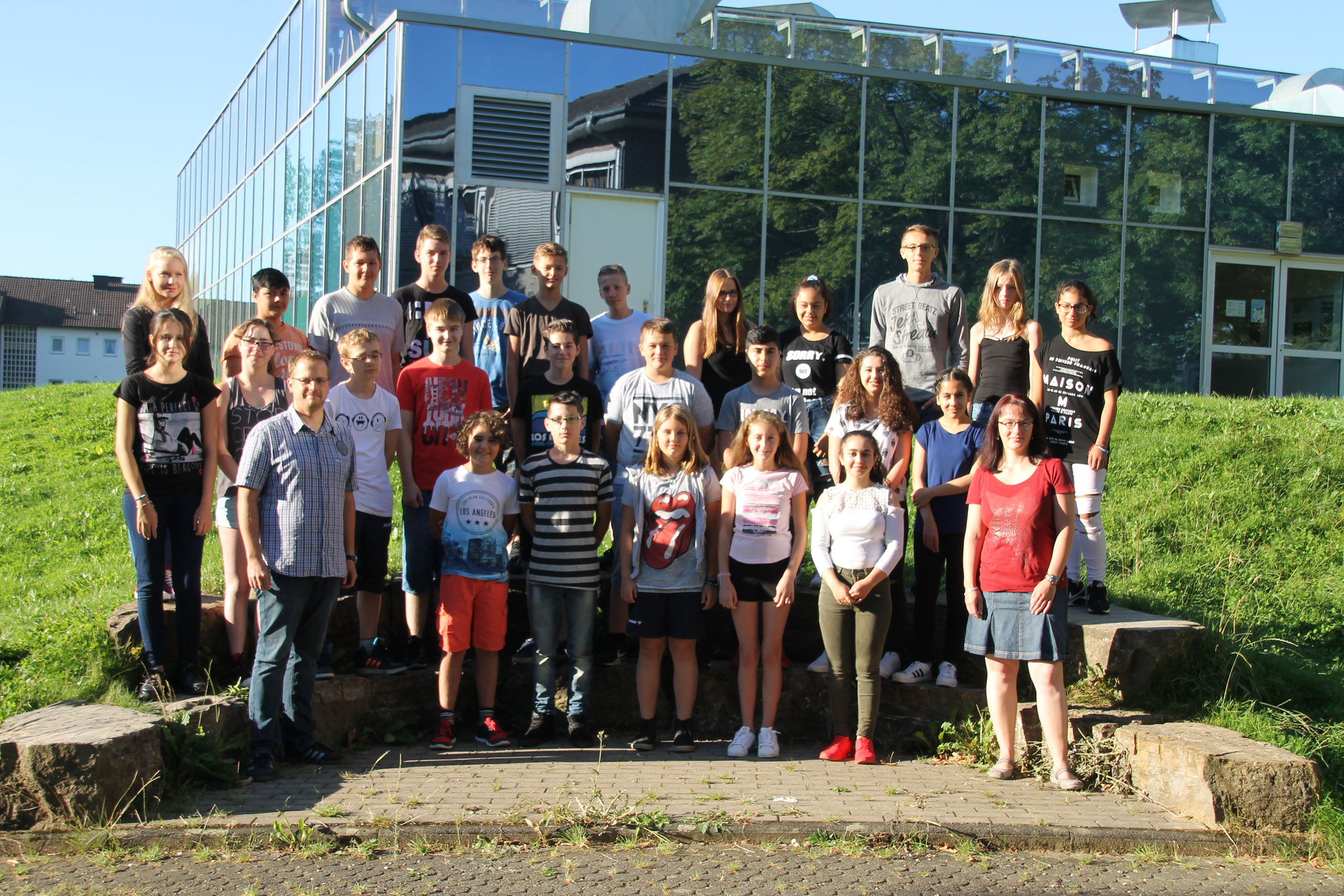Klasse 8d: Klassenlehrer Frau Schulz und Herr Womelsdorf