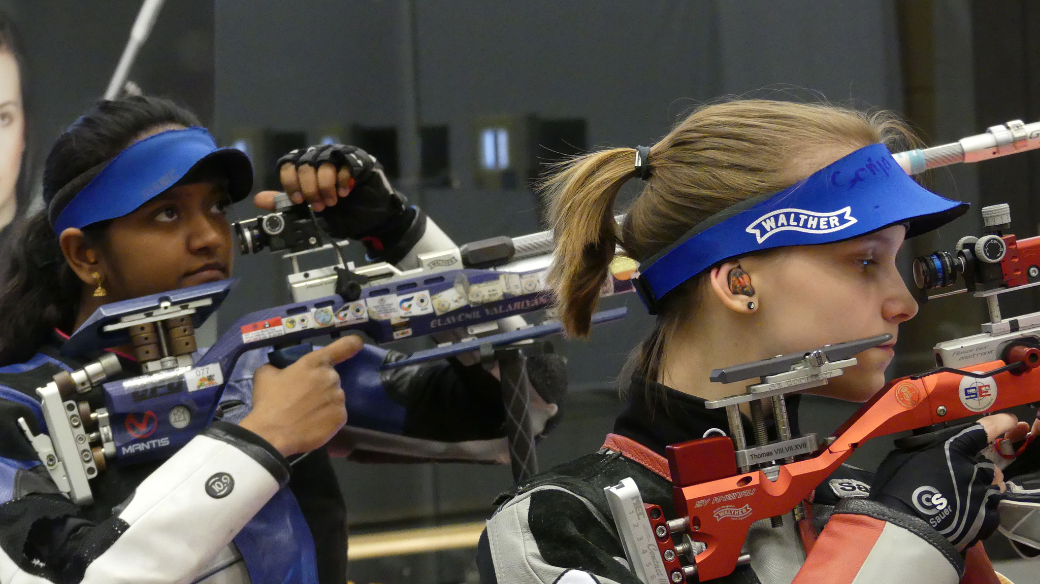 Die 1. der Weltrangliste Evavenil Valarivan (hinten) gegen die Nummer 1 des SSV Kronau Larissa Weindorf