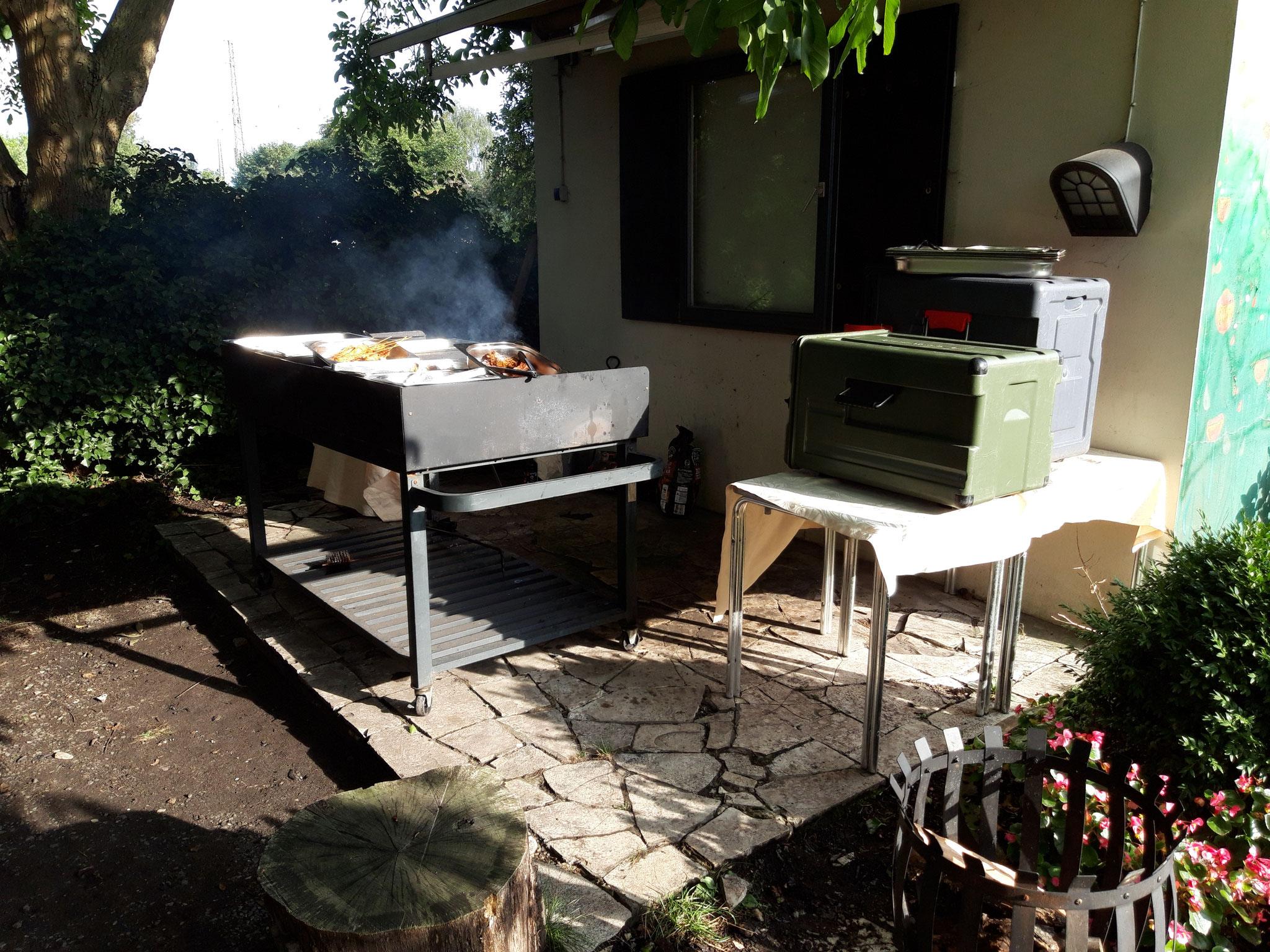 Sommerfest im Vereinsheim August 2019. Der Grill kommt zum vollen Einsatz.