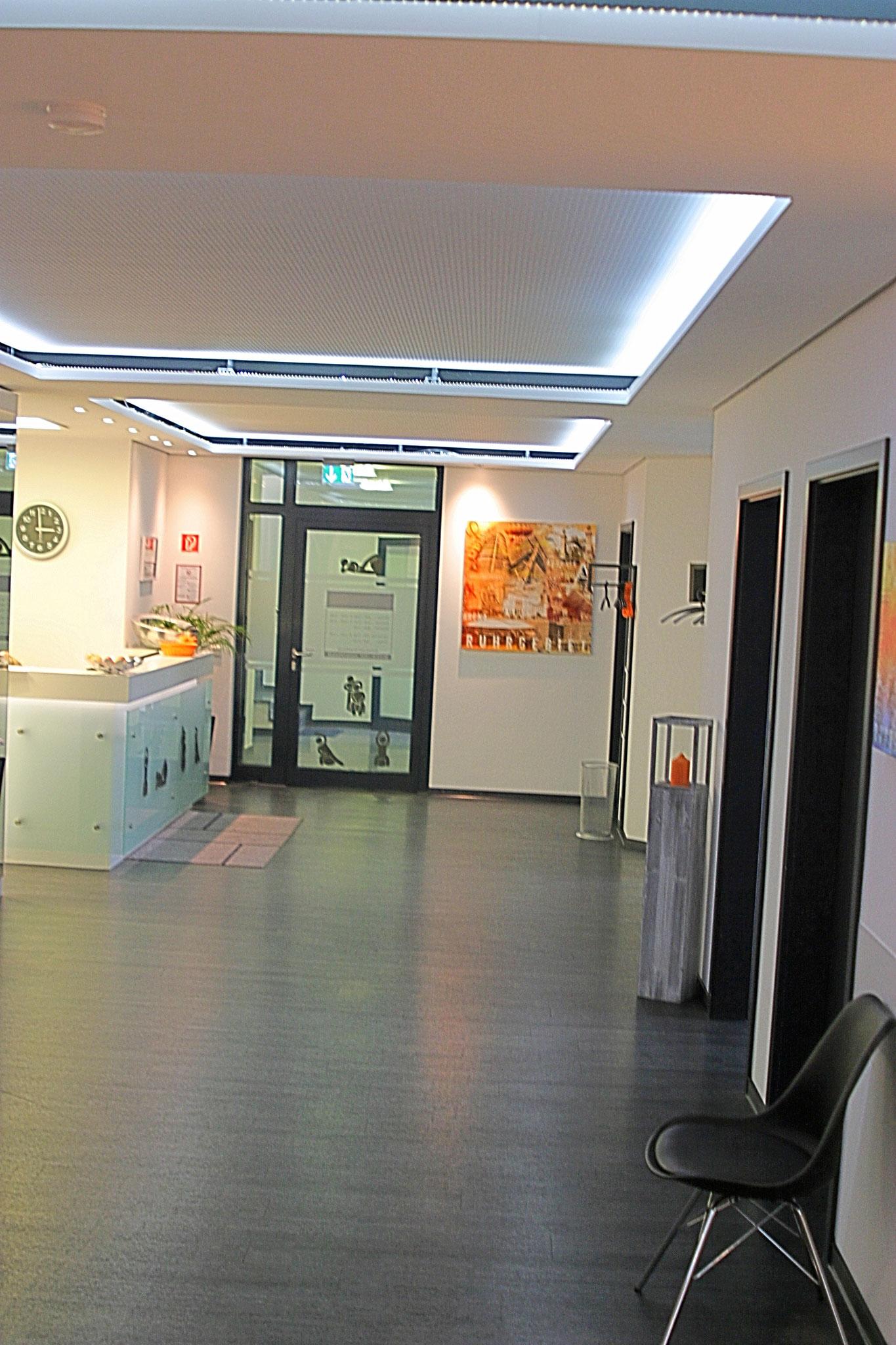 weitläufiges Foyer