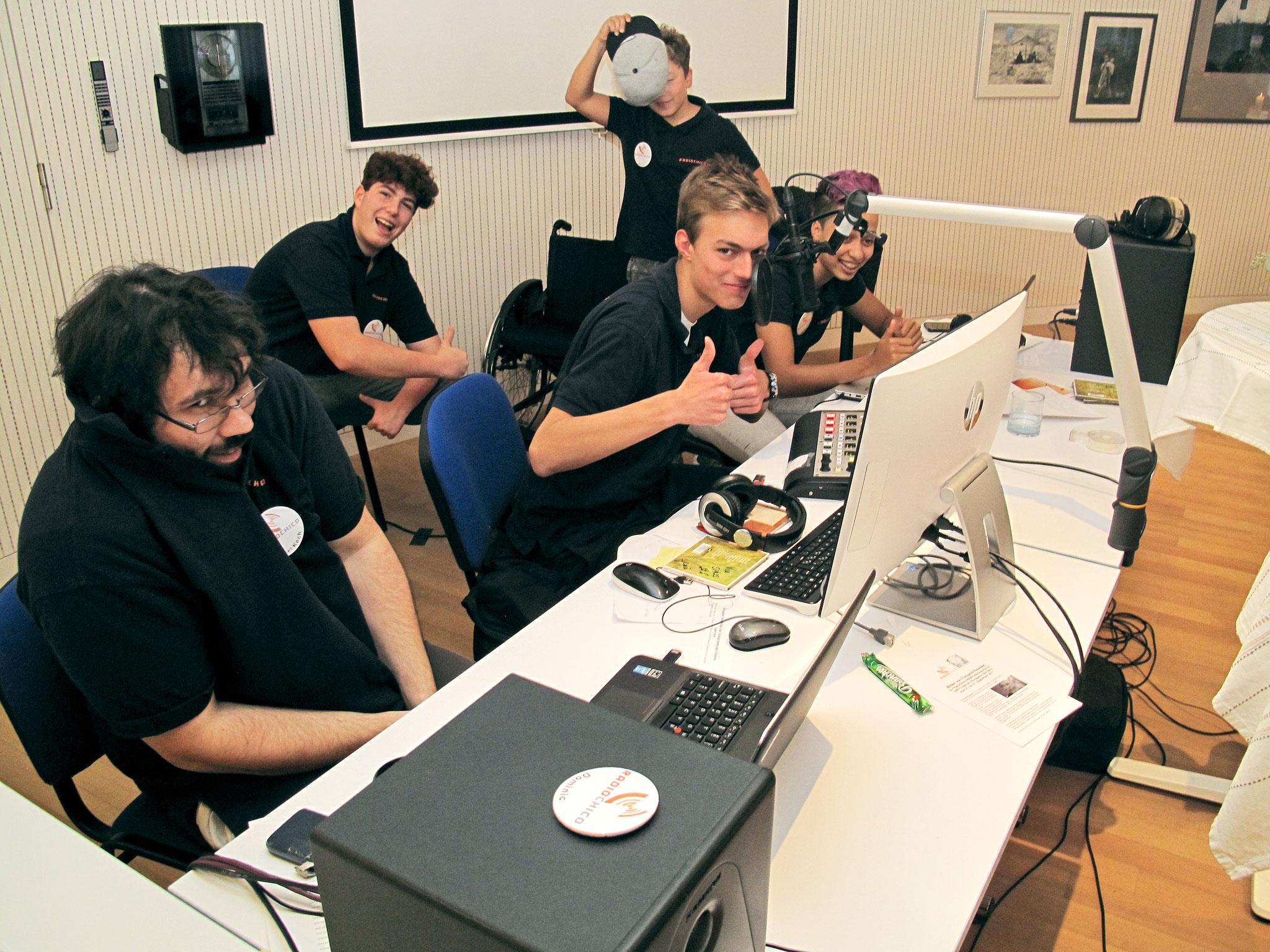 RadioChico Team bei der Arbeit