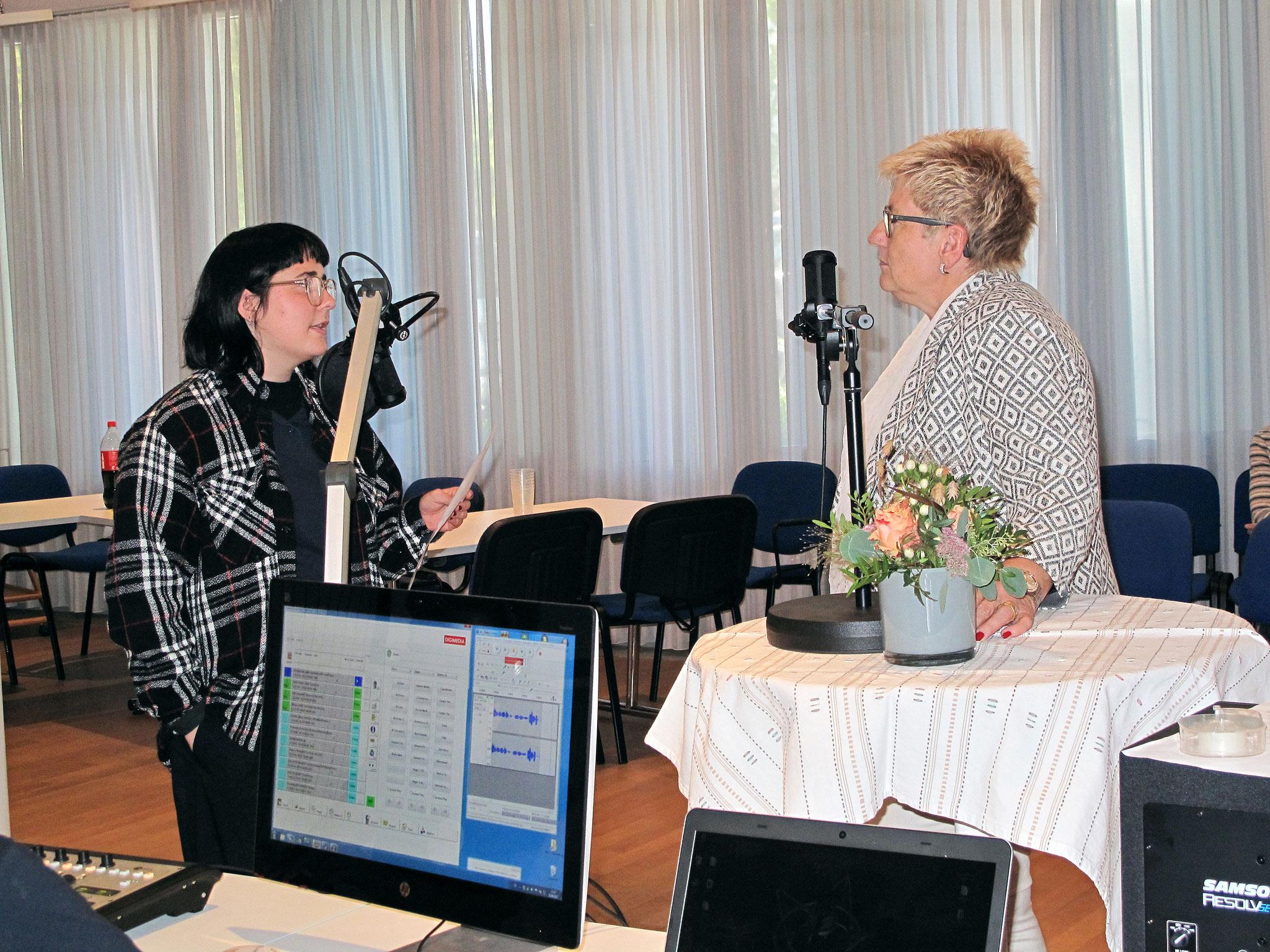 Beatrice Simon im Gespräch mit RadioChico Moderatorin Celine