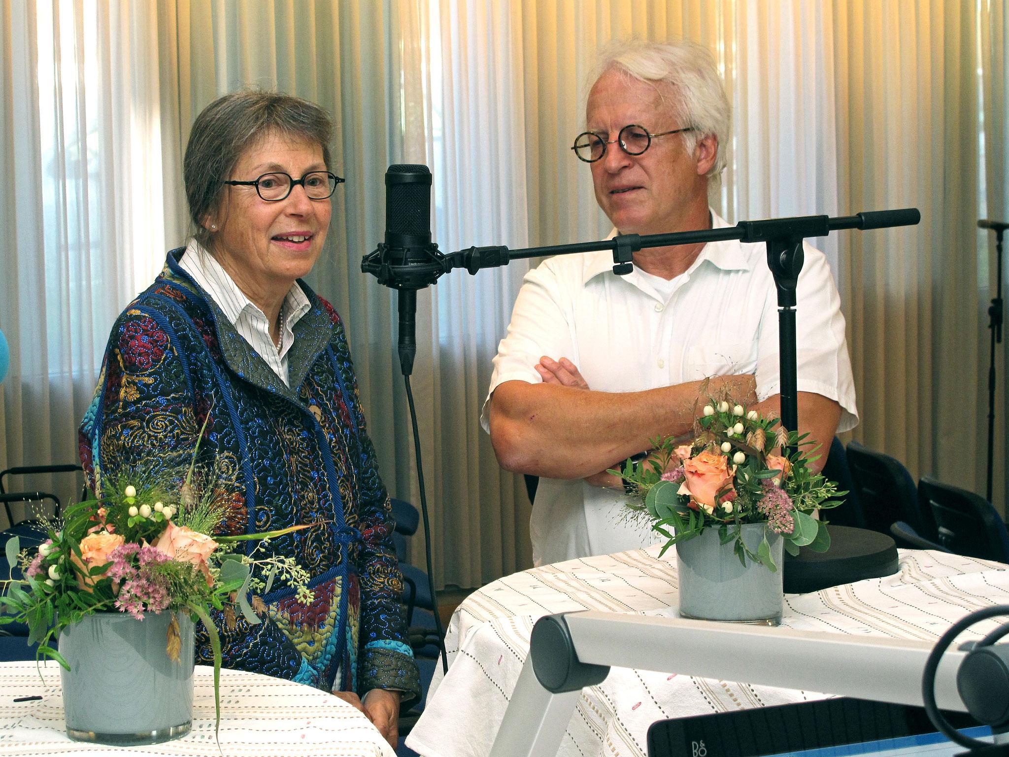 Bernhard Mändli, Drehorgelspieler in Begleitung von Marianne Barben