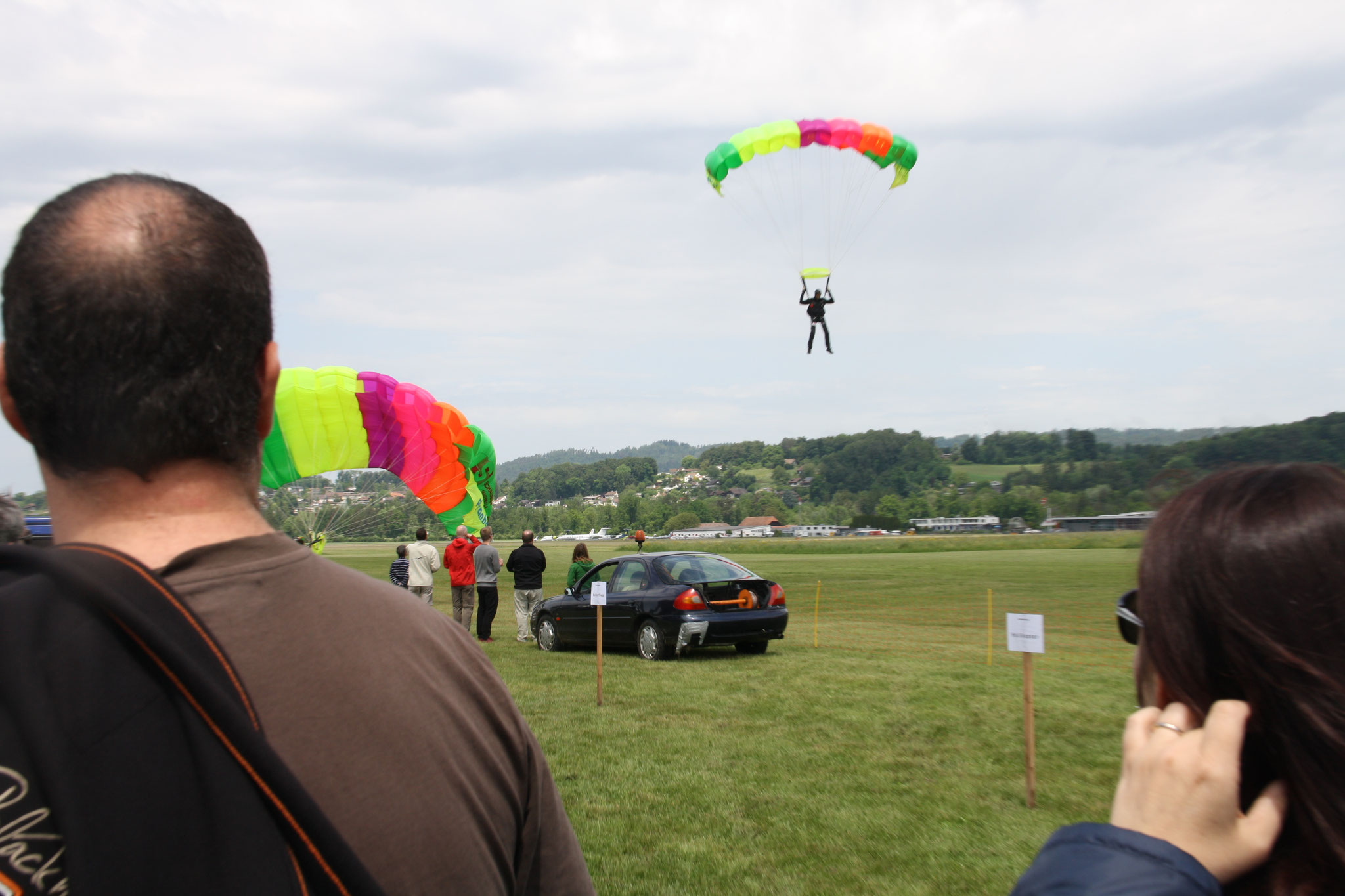 Die Fallschirmspringer