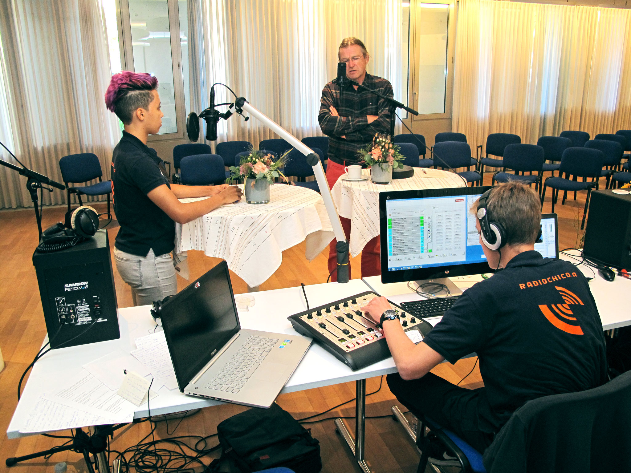 Christoph Pfluger im Gespräch mit Moderatorin Belén