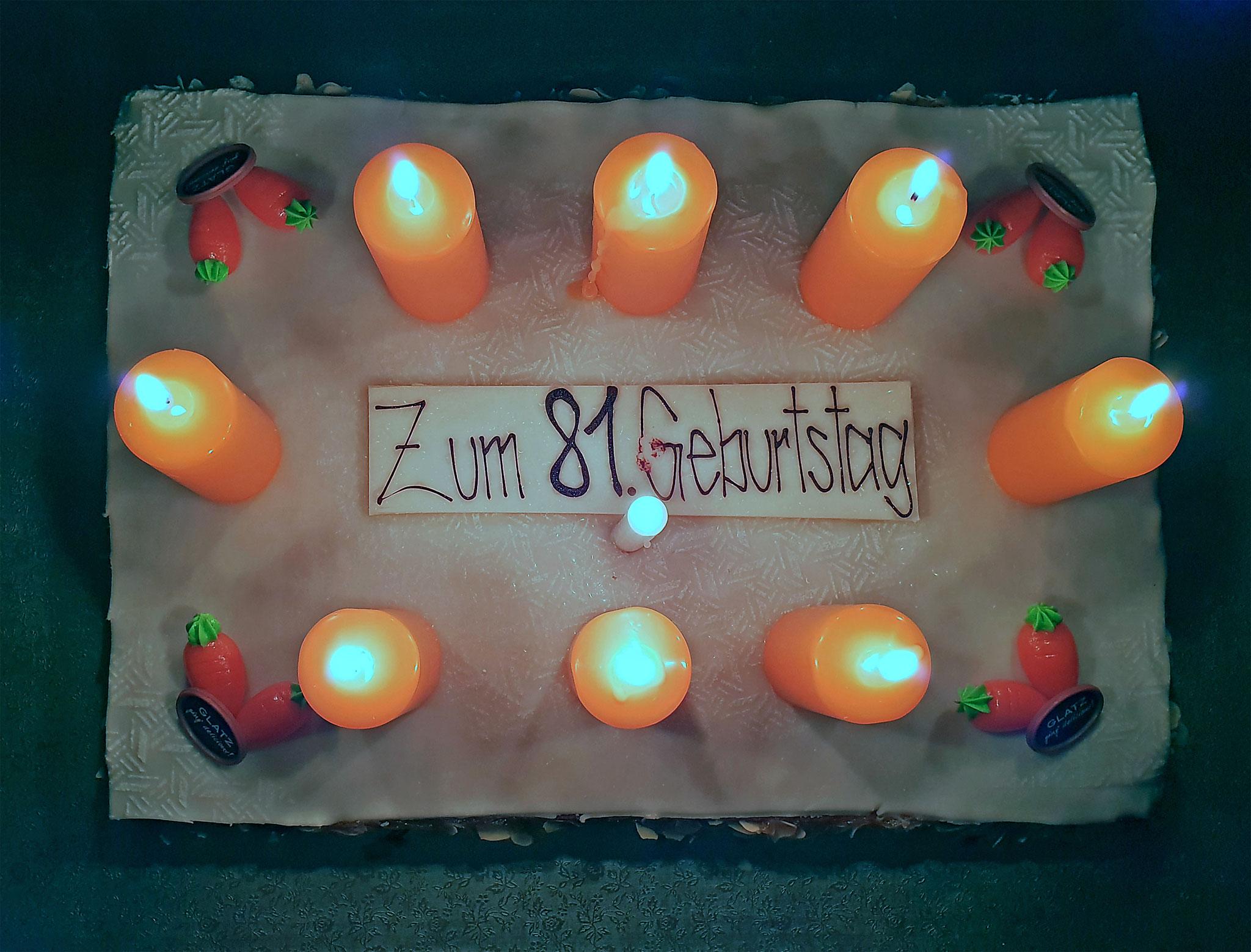 Der herrliche Rüebli-Geburtstagskuchen...