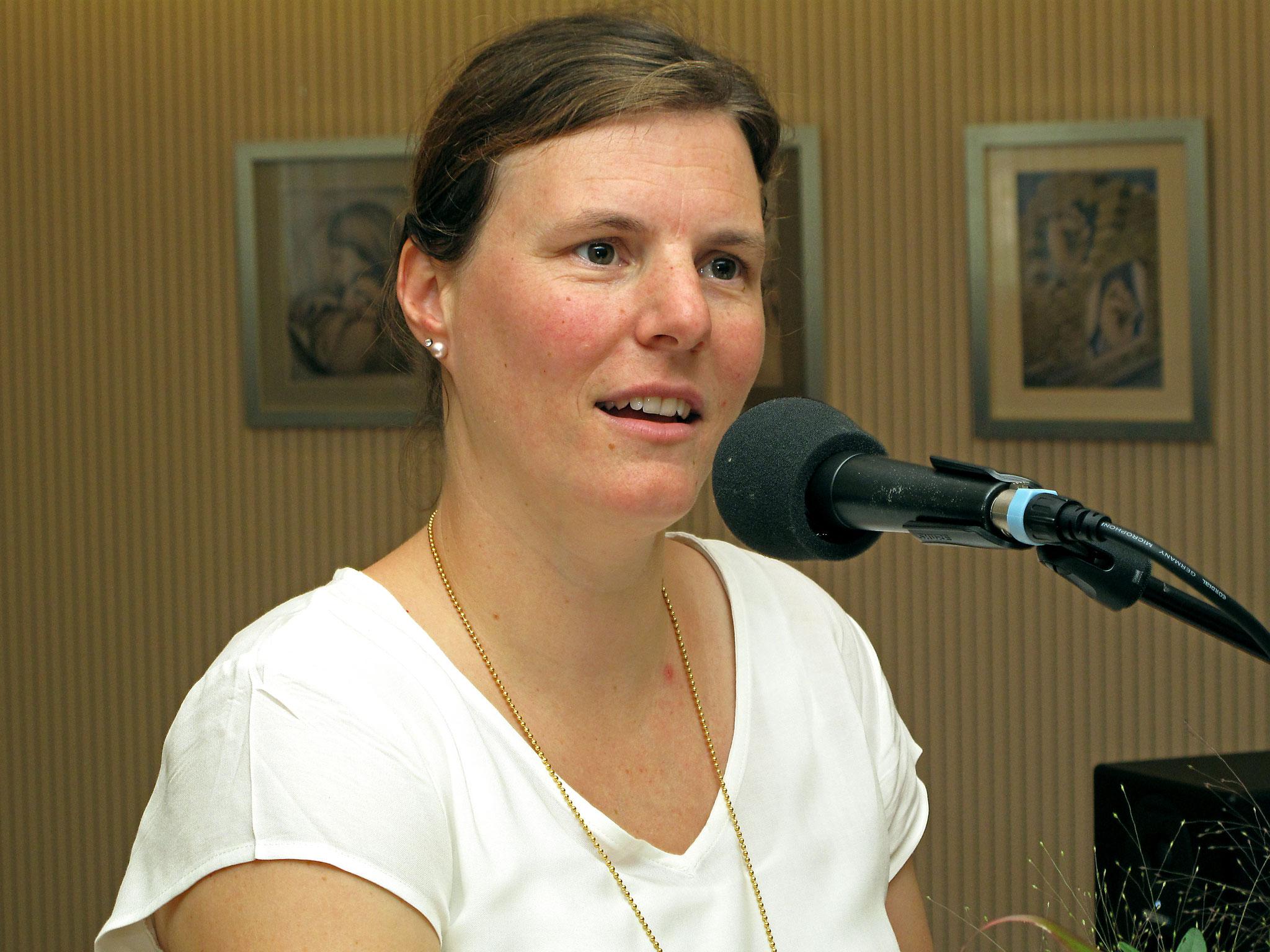 Frau Sina Känel, Familienfrau und Politikerin