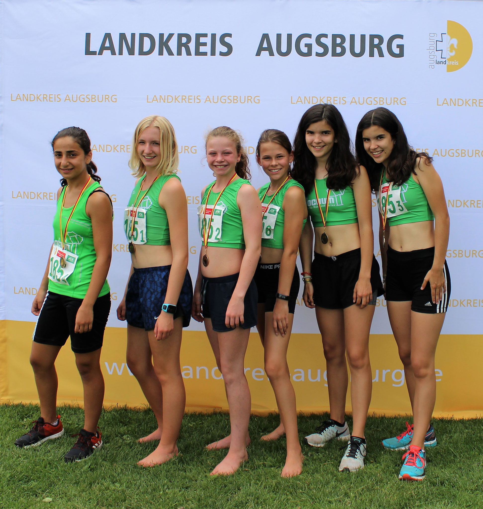 Jugend: Lavin, Maja, Anna, Hannah und Amelie