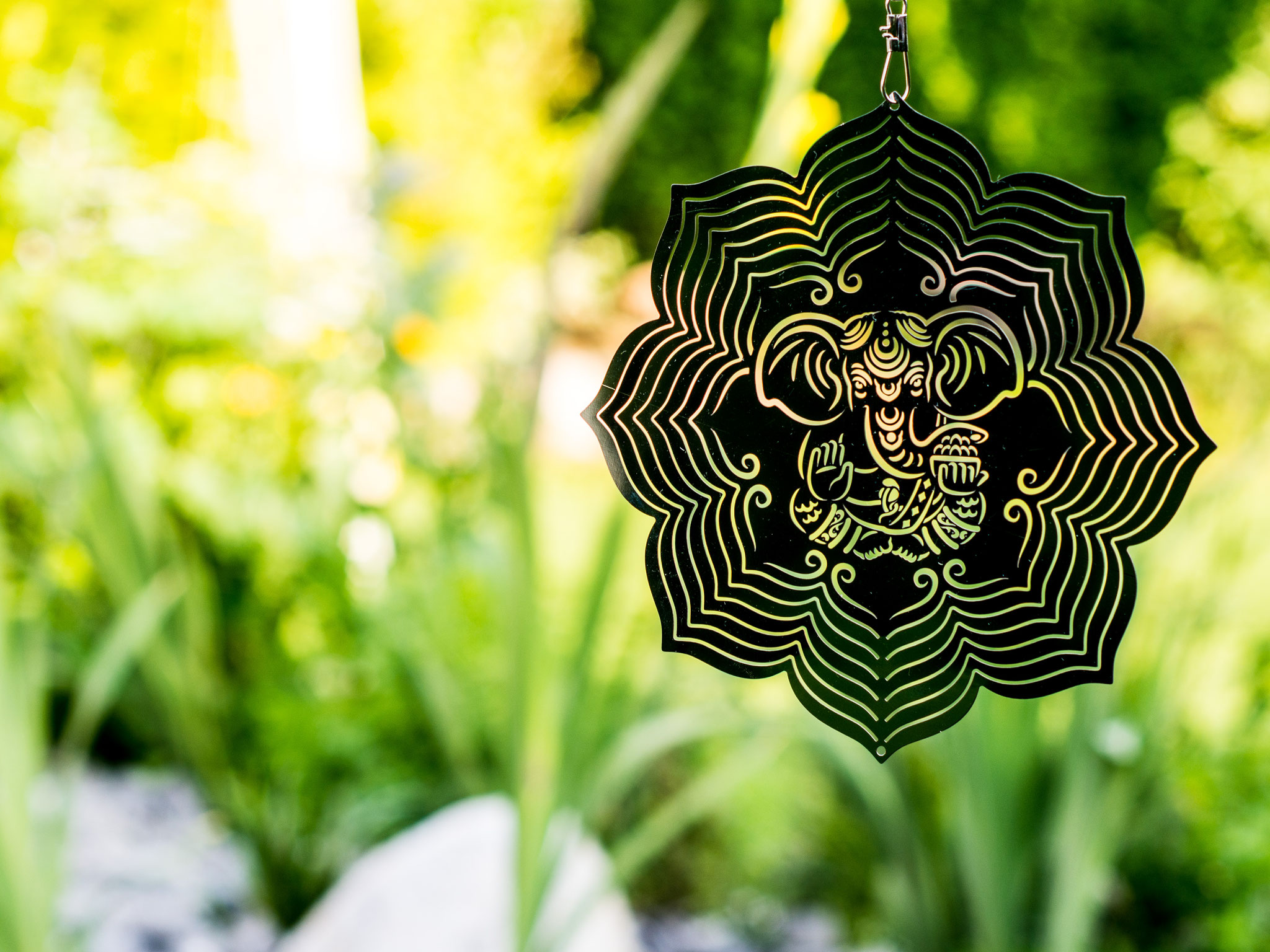 Edelstahlwindspiel Garnesha im Lotus