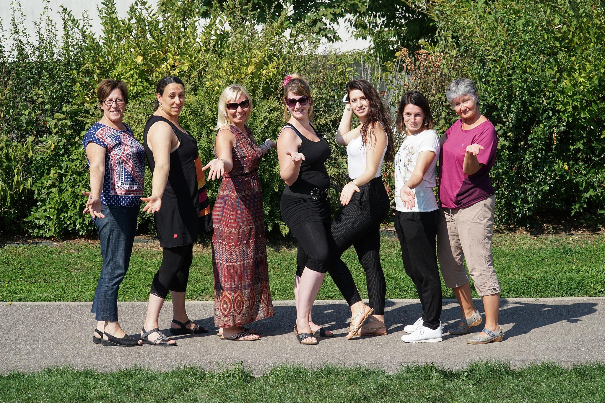 Kanfen composée de Fabienne, Gwladys, Emilie, Pauline, Clélia, Violaine, Véronique