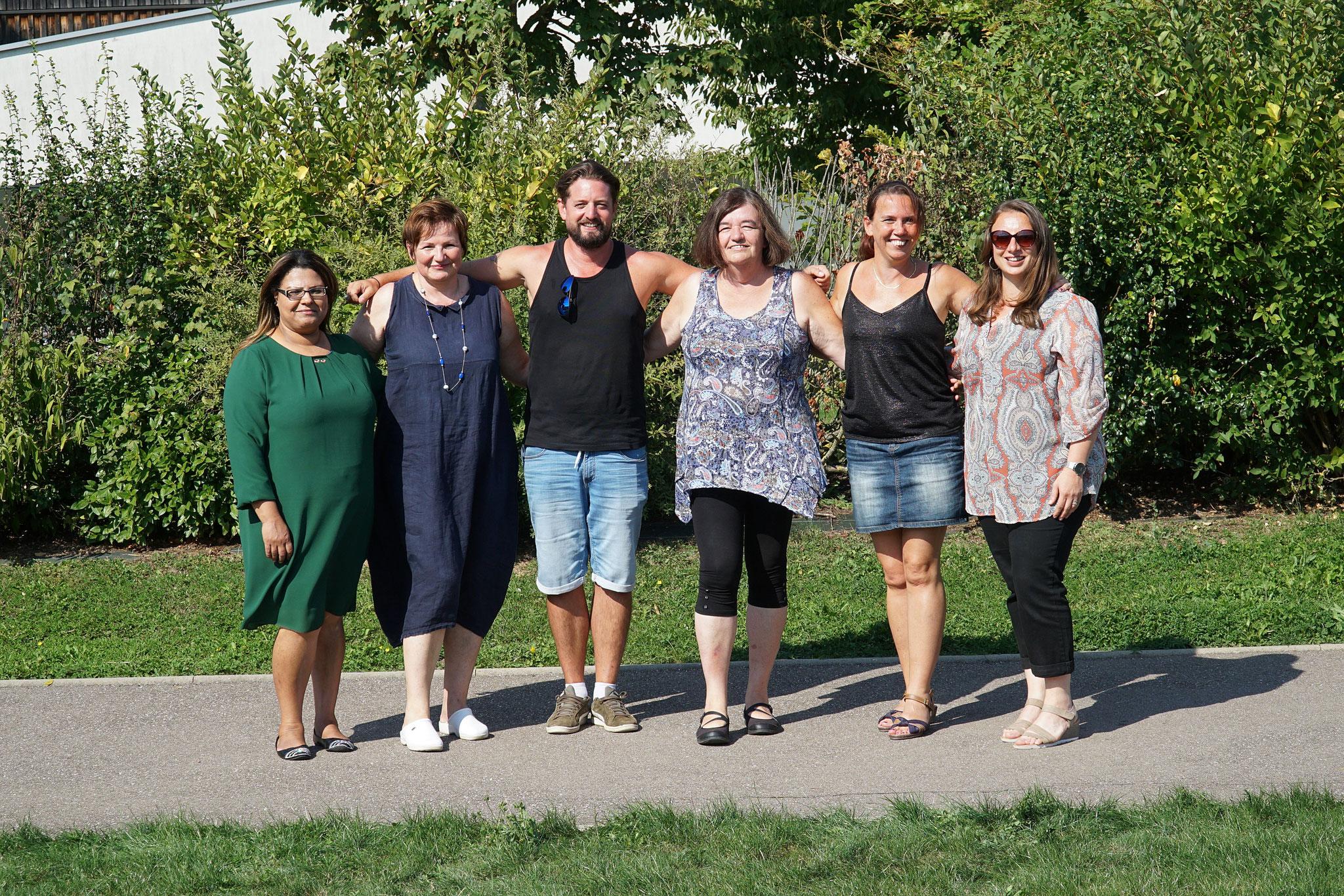 Le Bureau composé de Najat, Francoise, Florent, Isabelle, Carine et accompagné de notre présidente Sabrina