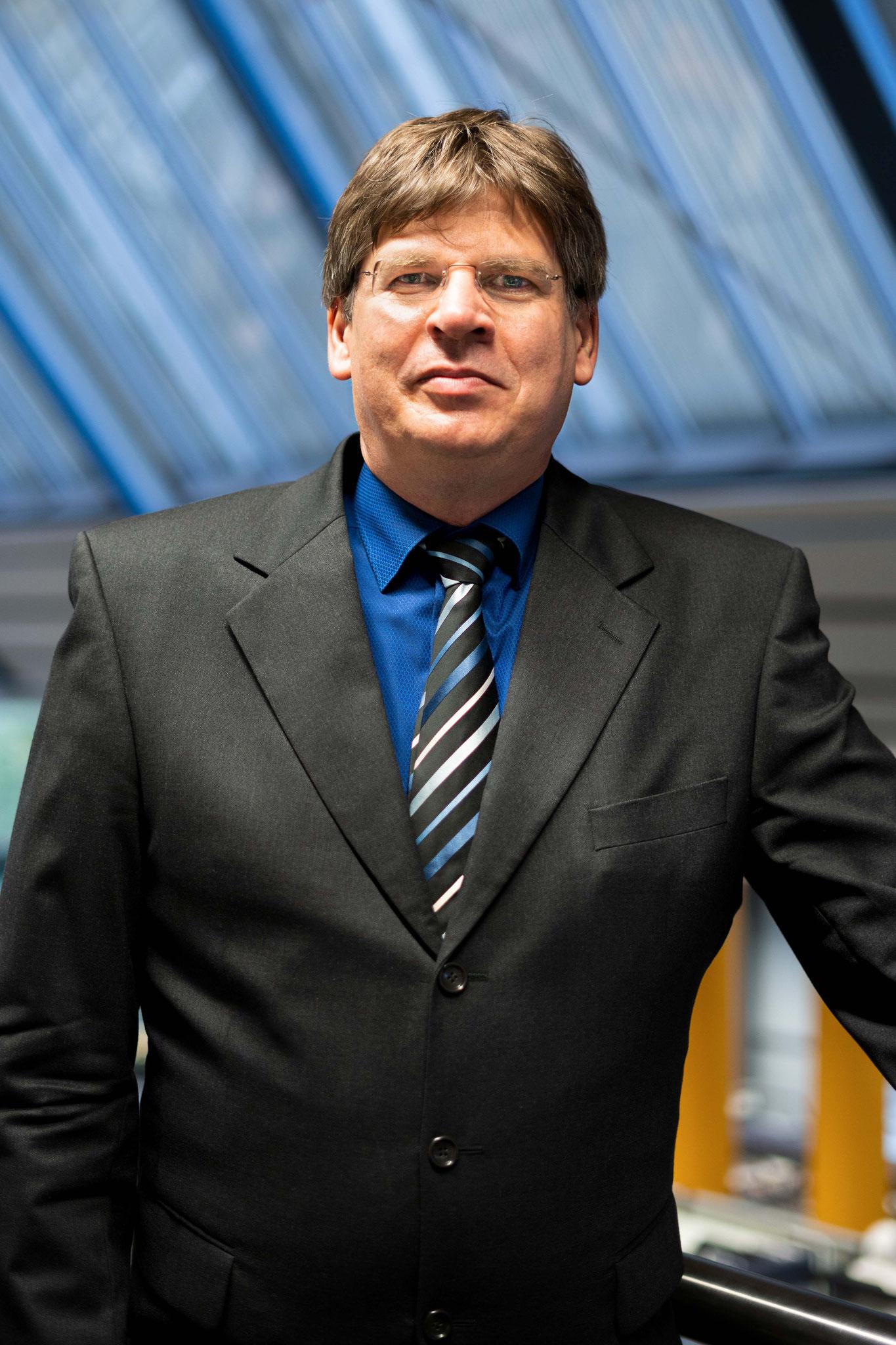 Dr. Thomas Grotum