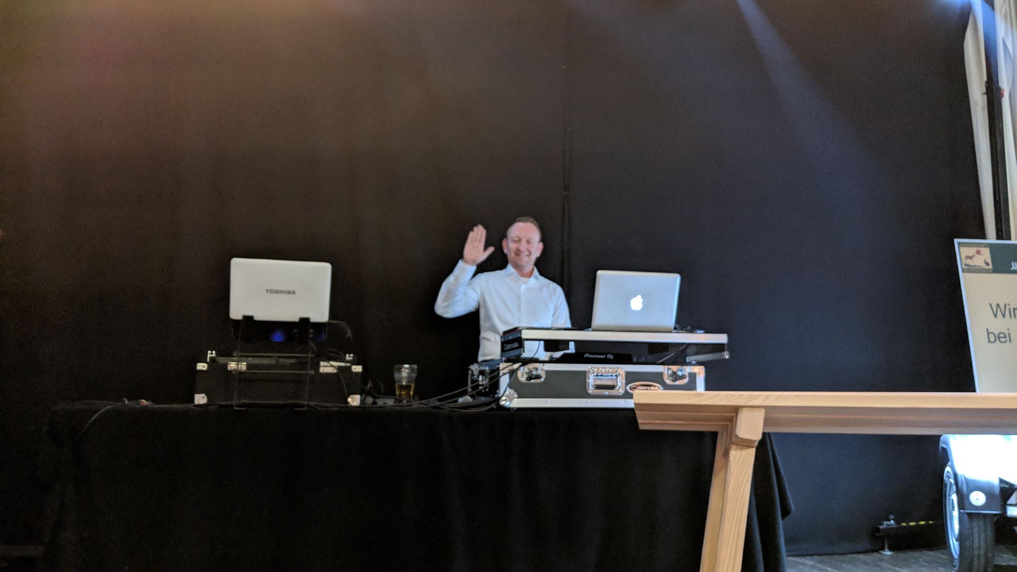 Gruß an unsere DJ Enrico.