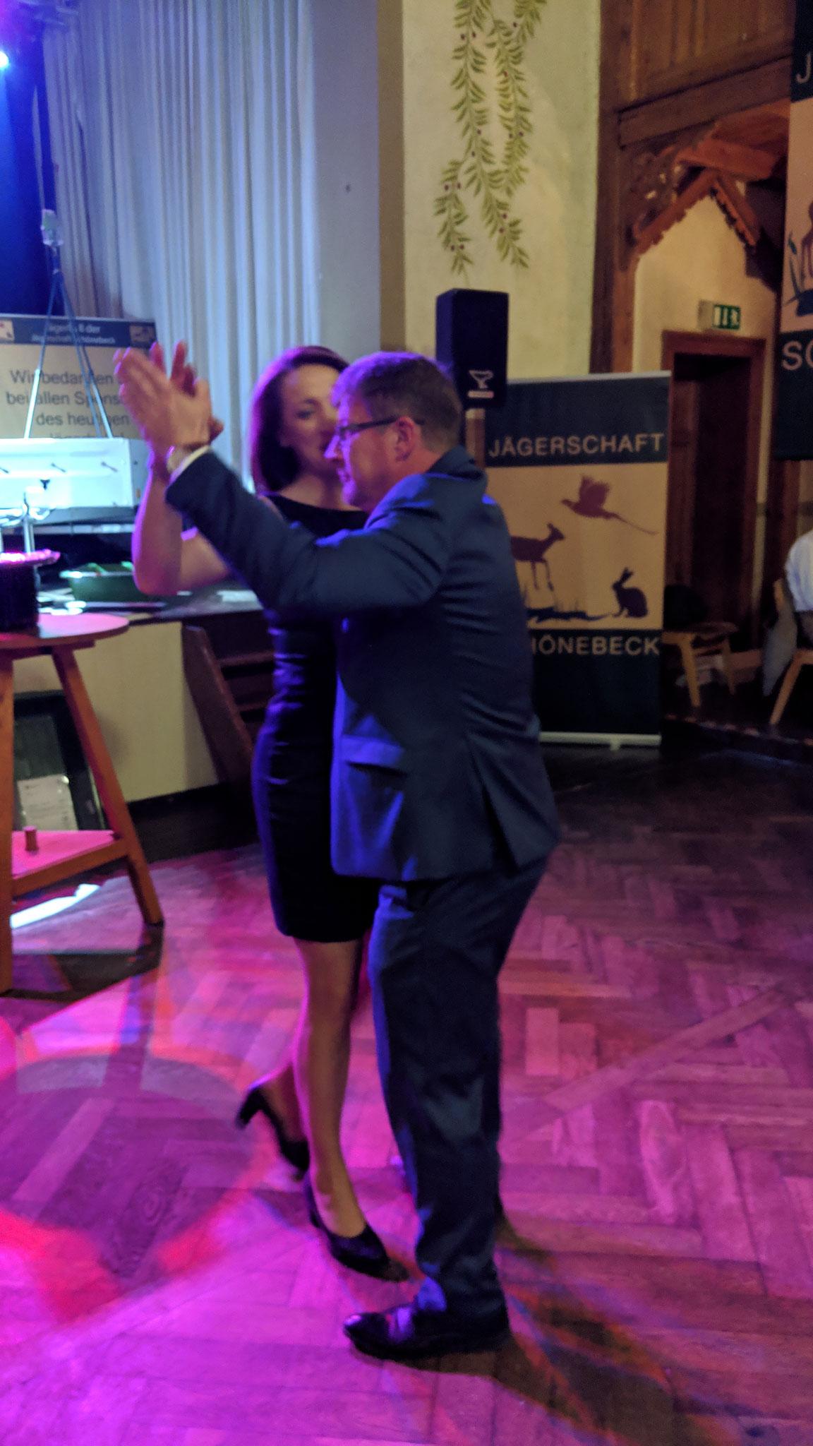 Der Oberbürgermeister der Stadt Schönebeck eröffnet. Bert Knoblauch und Verlobte