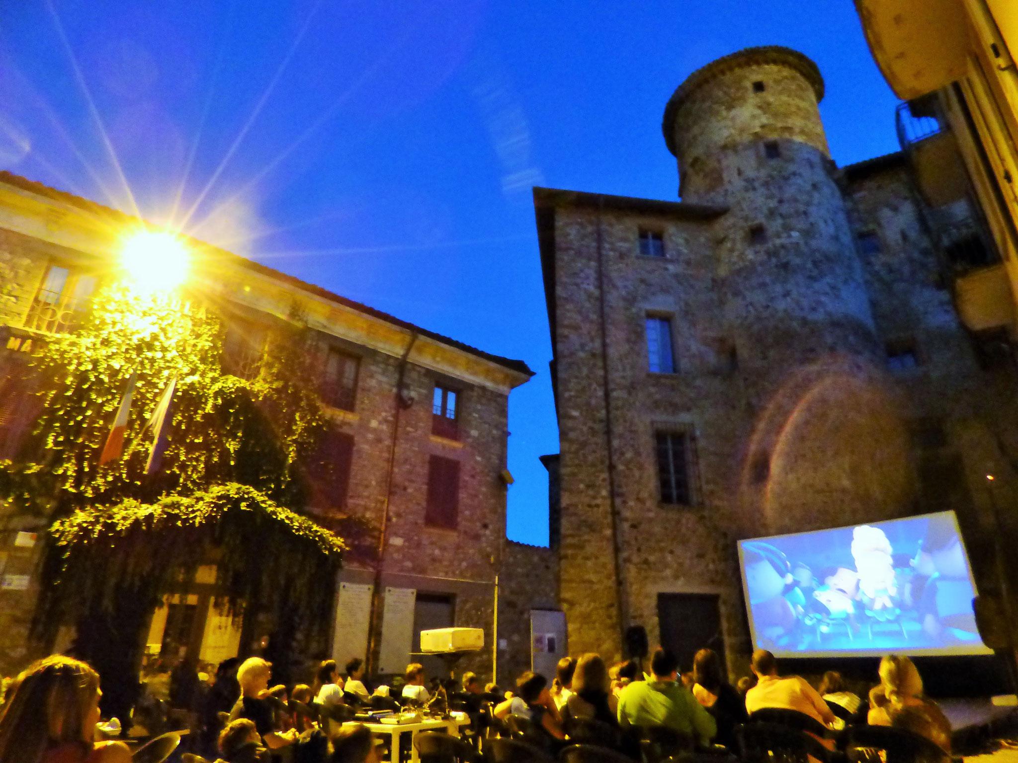 Travo: Piazzetta borgo antico 24 luglio Capitan Mutanda