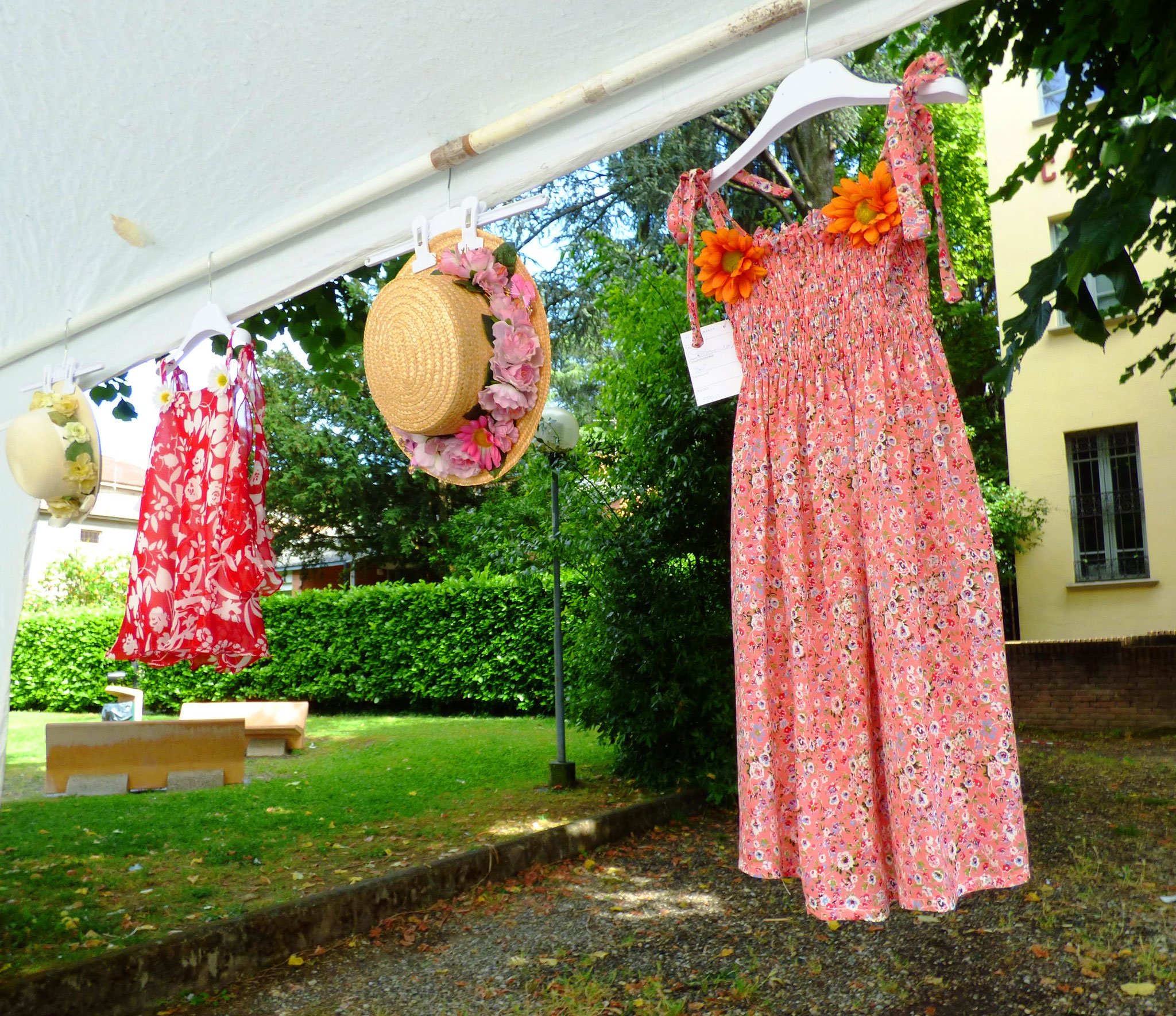 Ortensia Burzoni Laboratorio artigianale di abiti da sposa e cerimonia, idee e disegni per abiti personalizzati. per info: 338.4621207