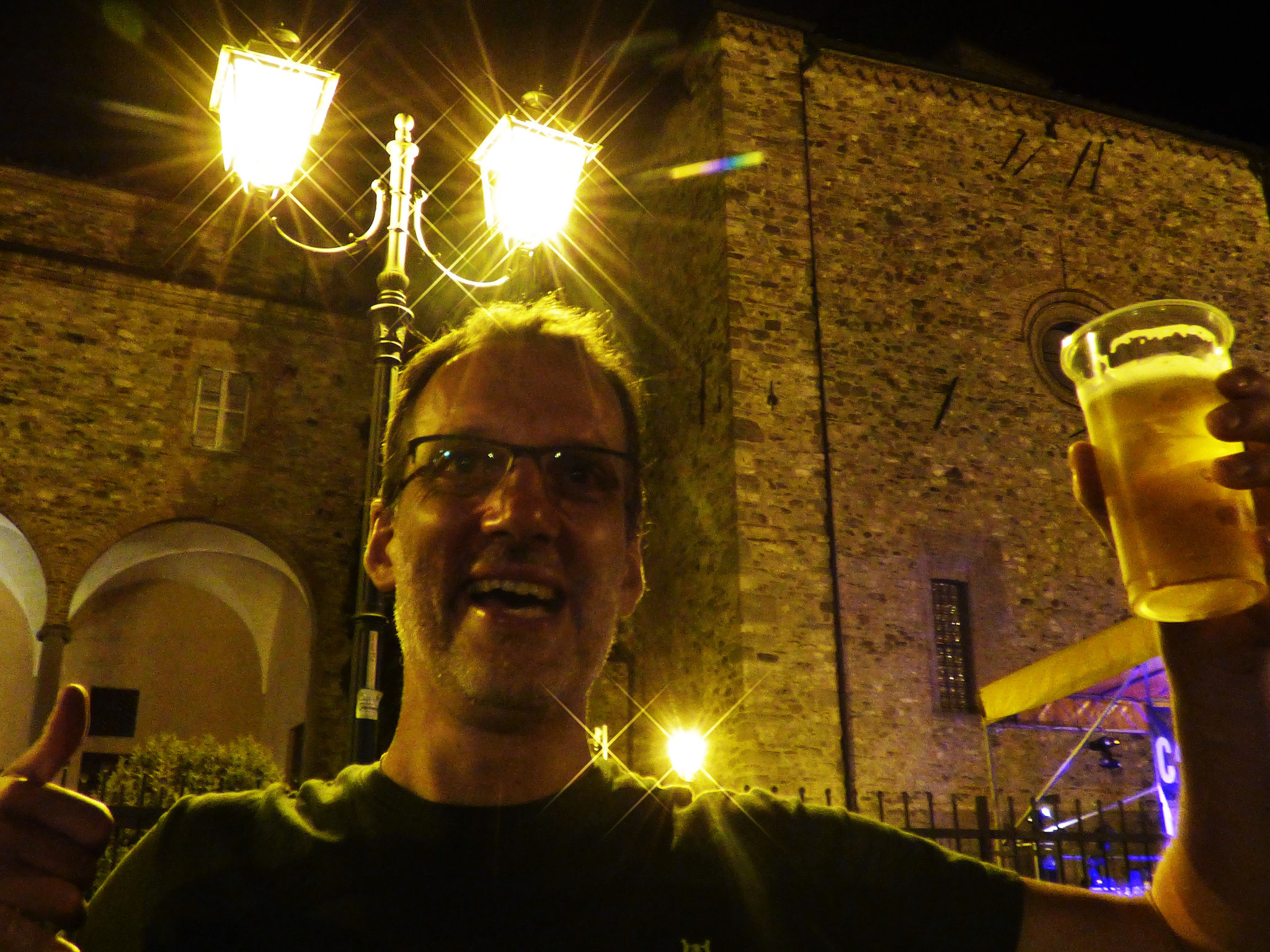 Bobbio  6 luglio 2019     Concerto in piazza santa Fara  con  I CANI DELLA BISCIA e I BELLI FUORI  dalle ore 22:00