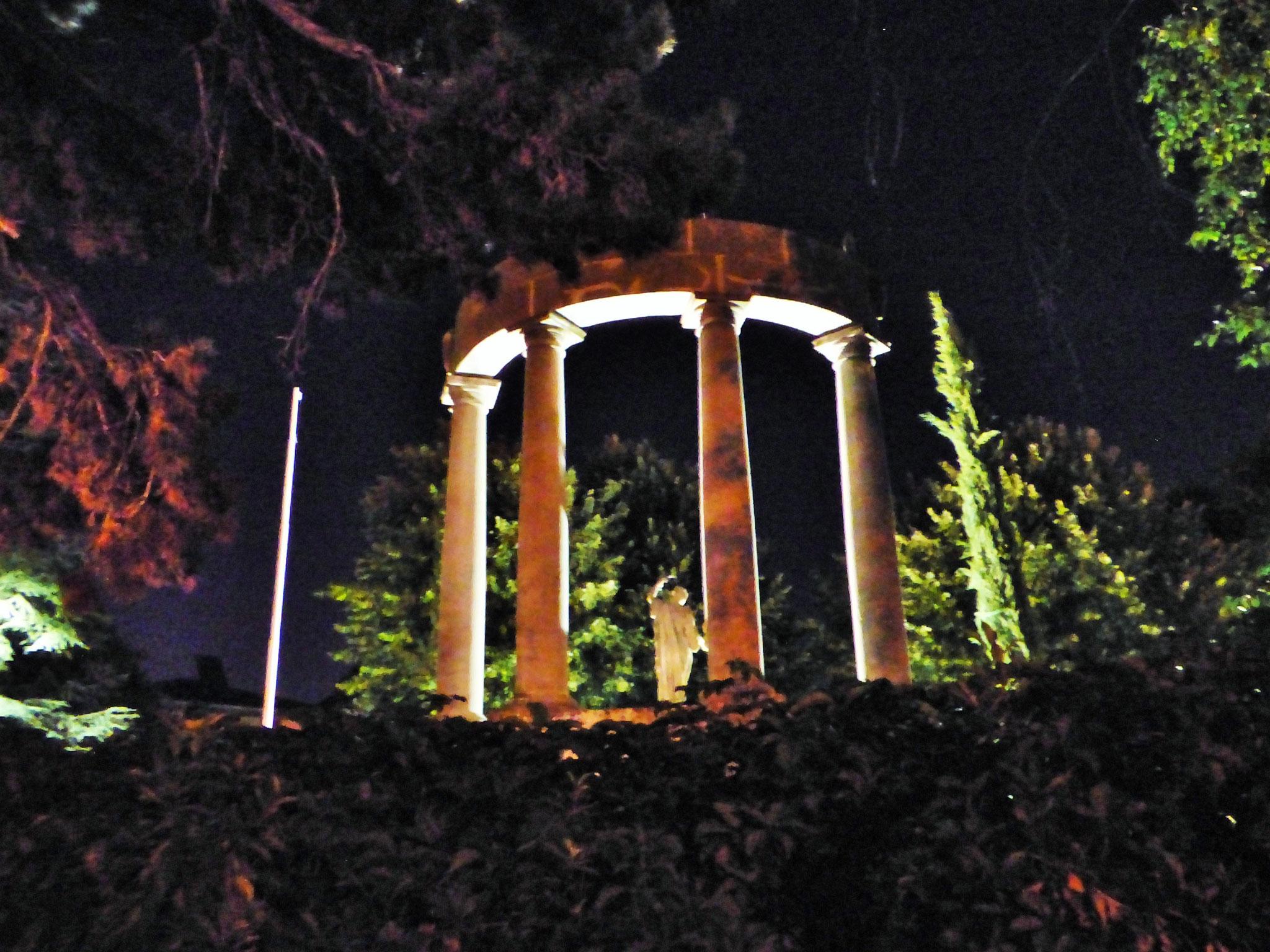 LA MAFIA UCCIDE SOLO D'ESTATE 6 luglio ore 21,30 (circa) ENTRATA GRATUITA giardino di via don Veneziani (dirimpetto Casa del Popolo)