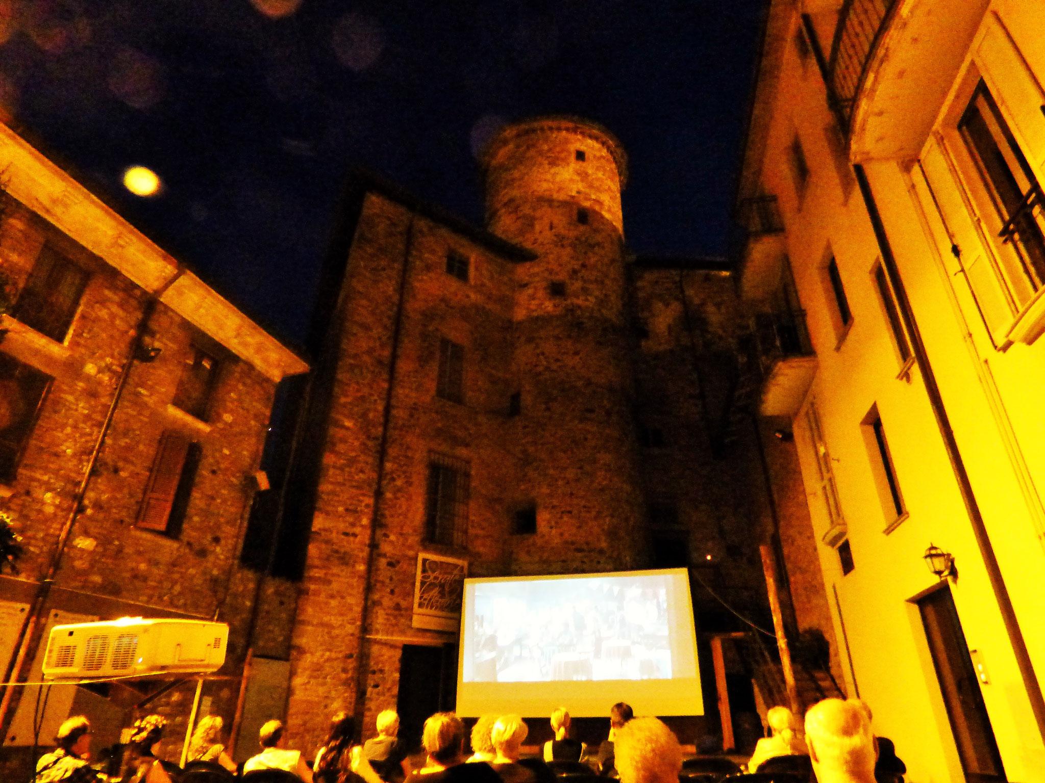 Travo: Cinema Sotto Le Stelle 2019     Agosto, 5 e 6  Piazzetta Borgo Antico   dalle ore 21:30