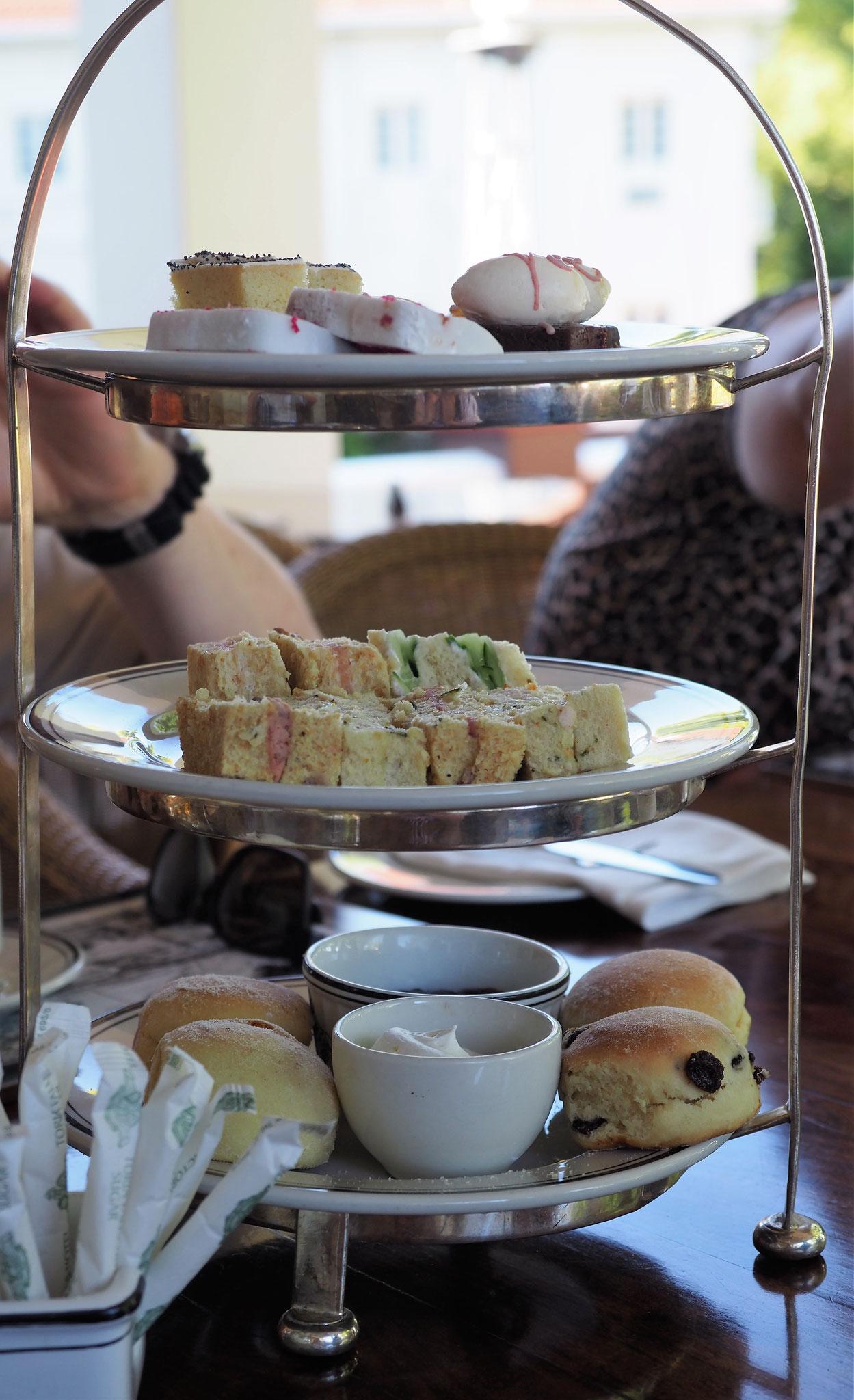 High Tea / Victoria Falls Hotel