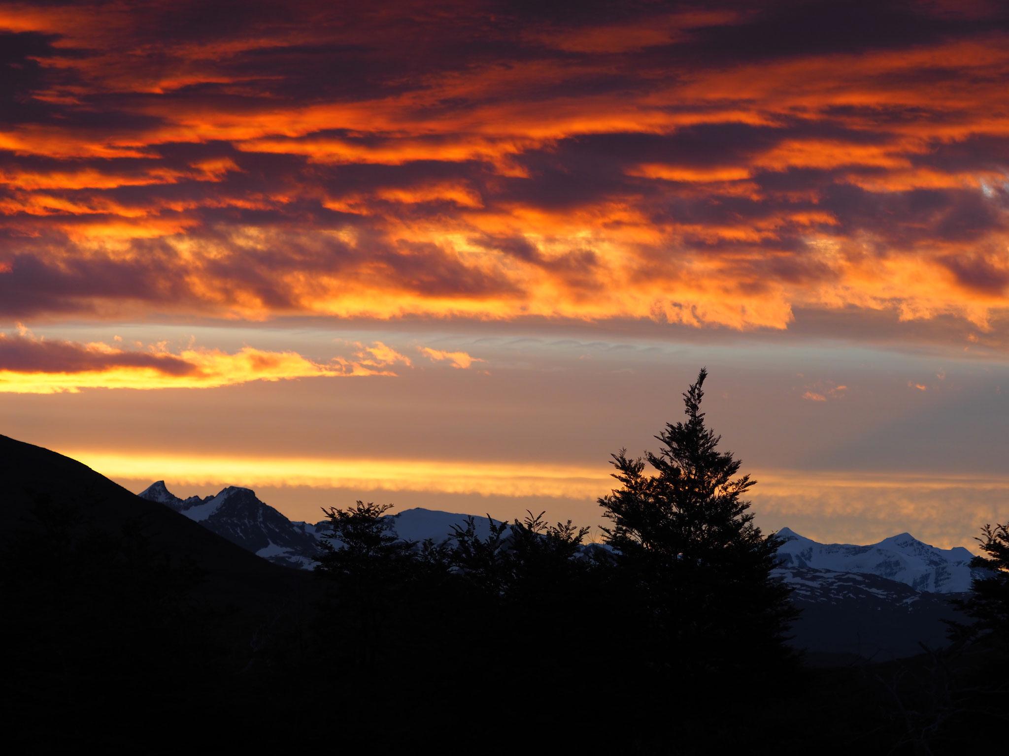 Wunderschöne Abendstimmung am Fusse des Torres del Paine