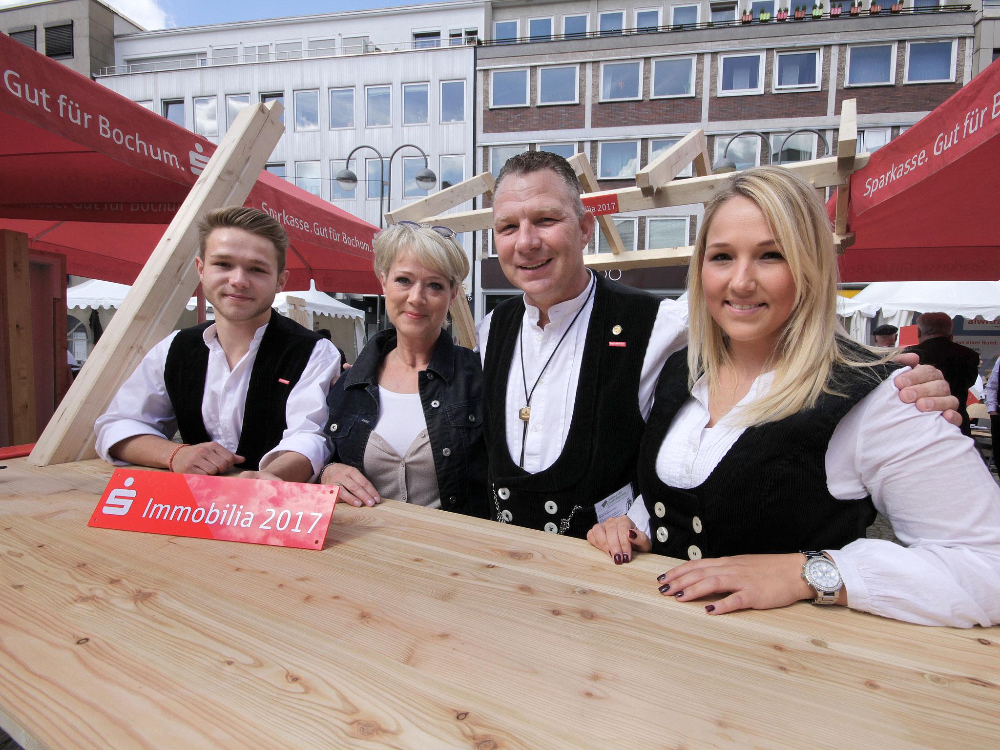 Louis, Claudia, Stefan & Carolin Zimmermann bei der Sparkassen Immobilia 2017