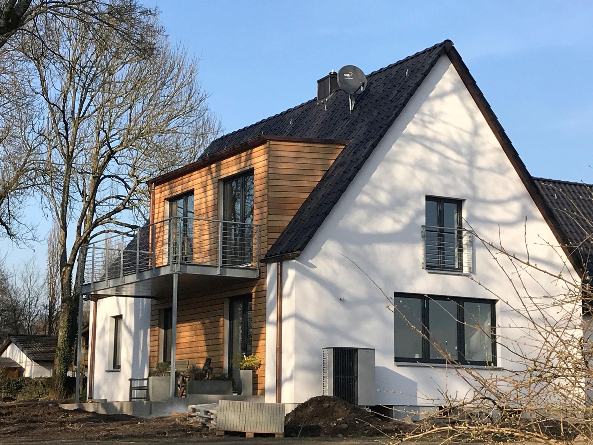 Gaube mit Holzverkleidung in Bochum-Stiepel
