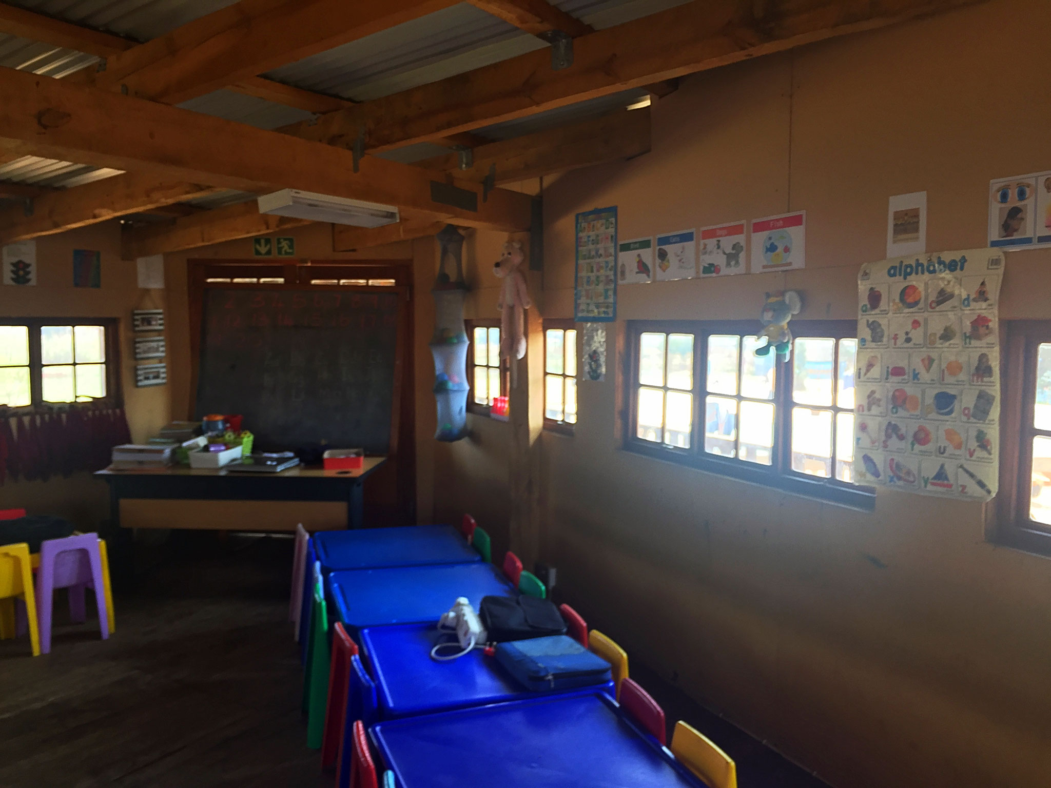 Unterrichtsräume in dem erbauten Gebäude 2011