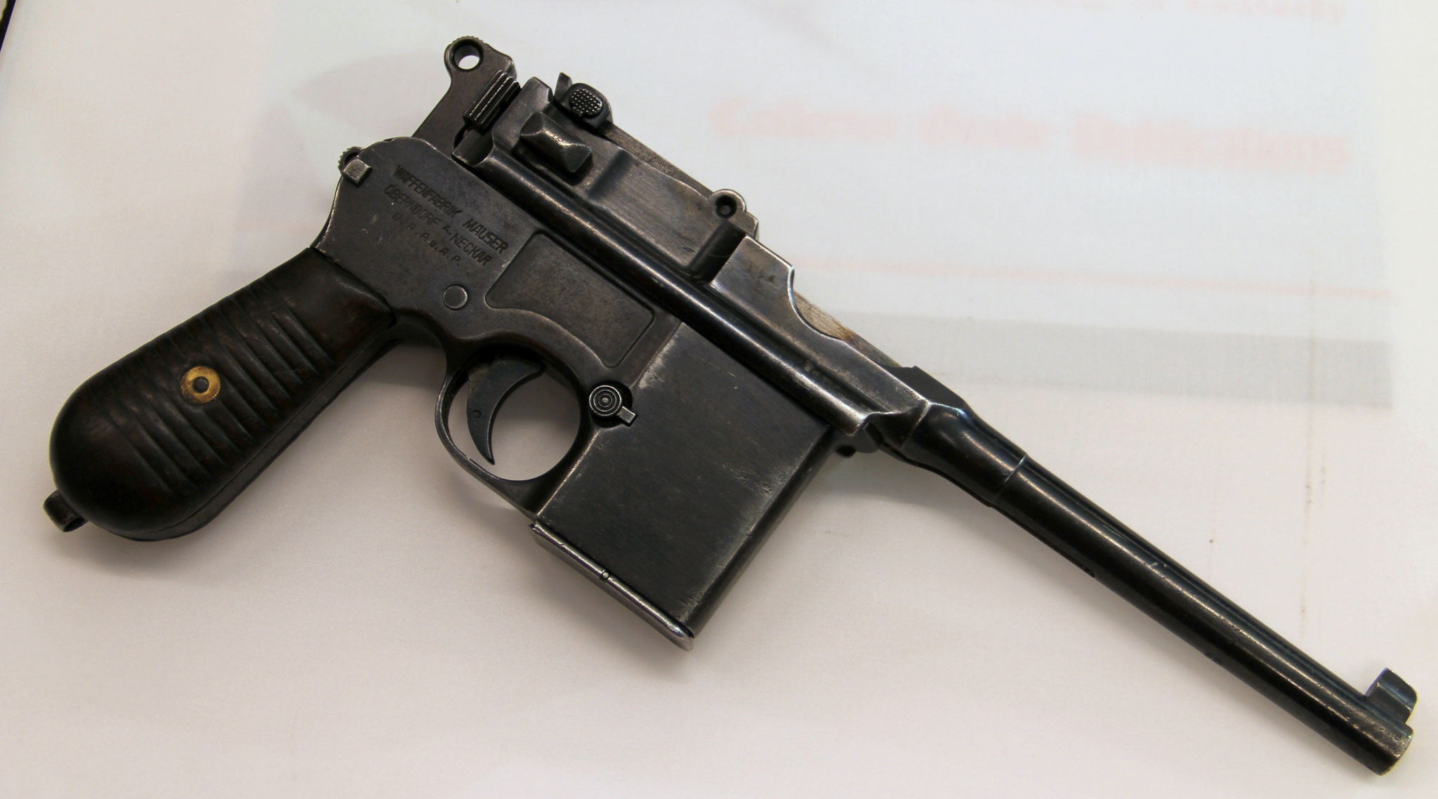 Mauser 1932 type 712. Cert.no. 47 € 1600,-
