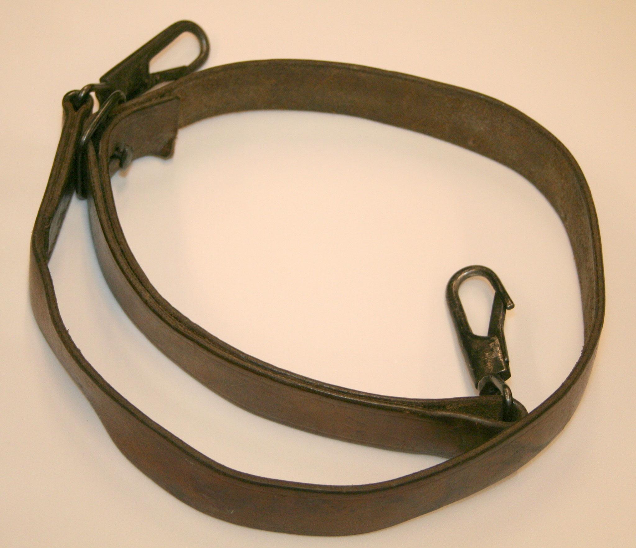 Joegoslavische MG53 sling. € 30,-