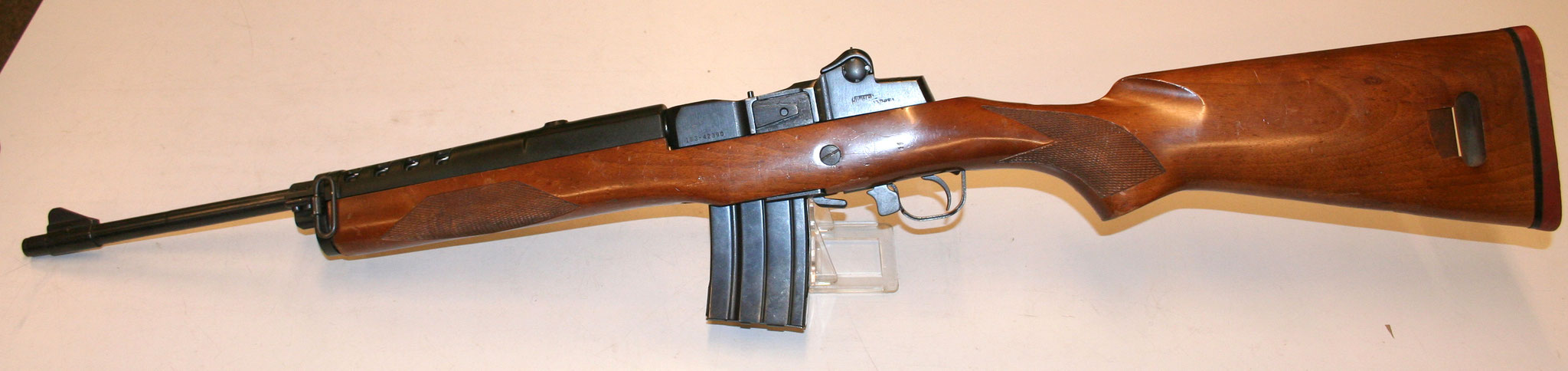 Ruger Mini 14   Mousqueton AMD. € 450,-