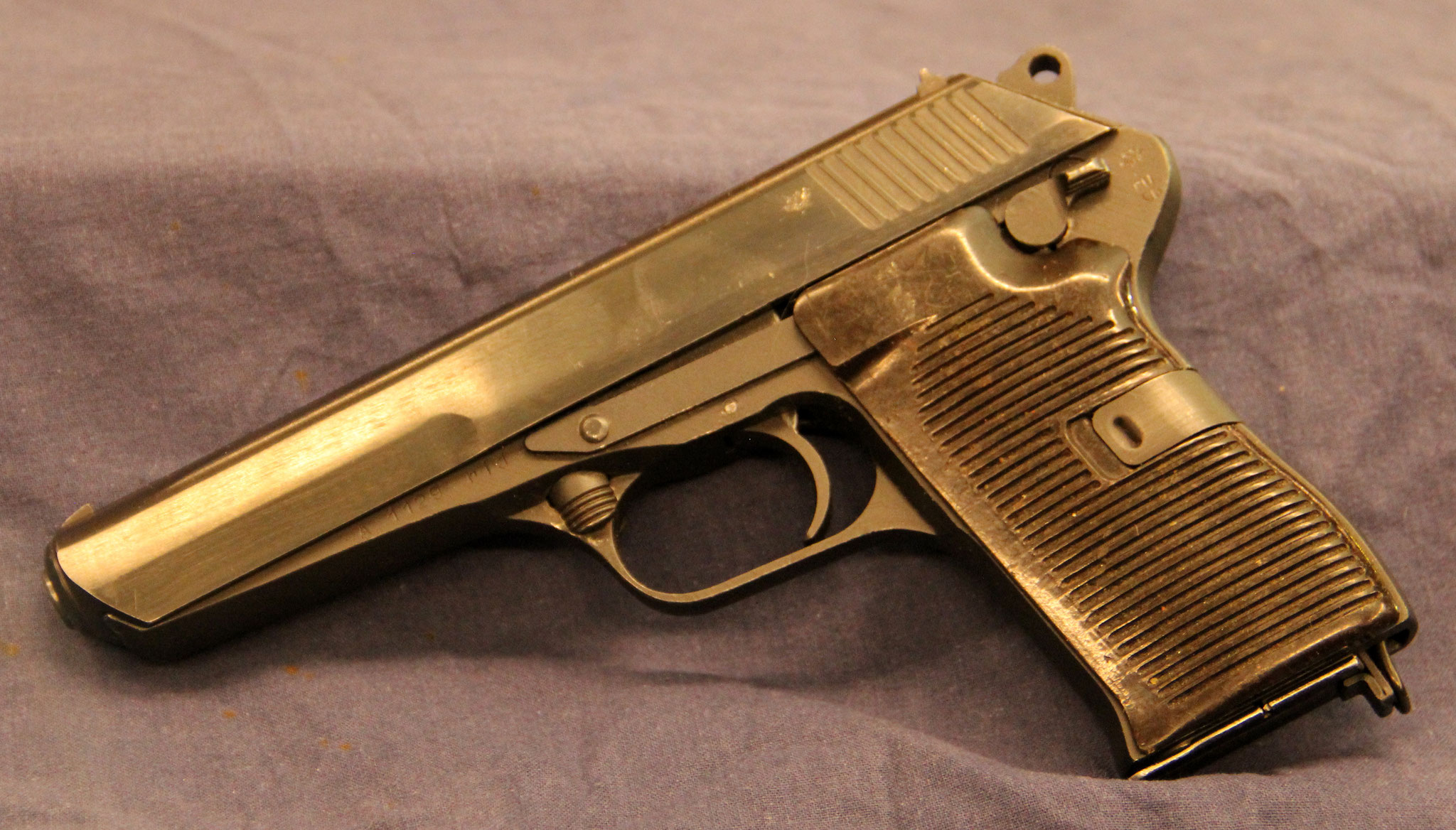 CZ model 52. Cert.no. 107 € 475,-